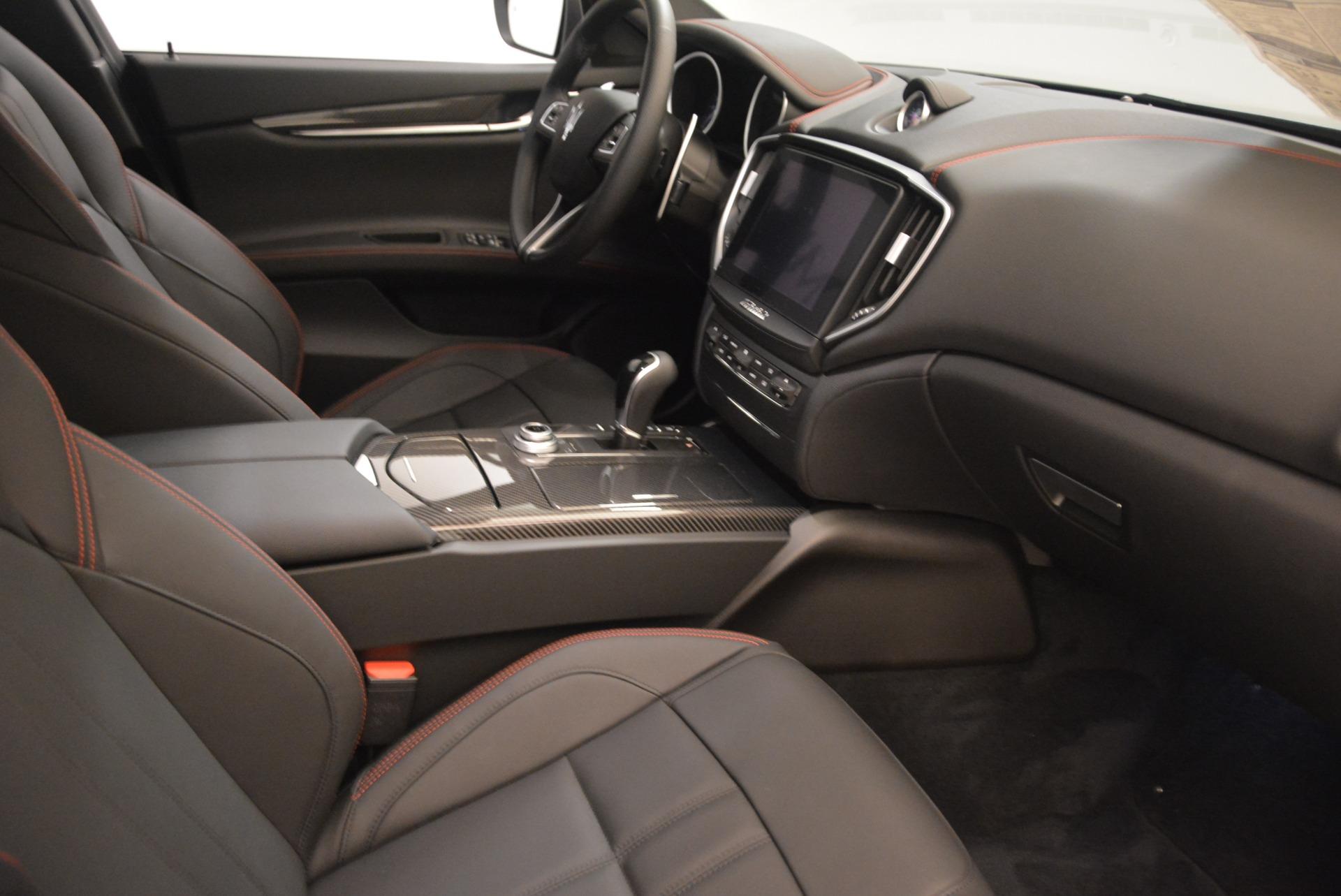 New 2018 Maserati Ghibli SQ4 GranSport Nerissimo For Sale In Greenwich, CT 2368_p16
