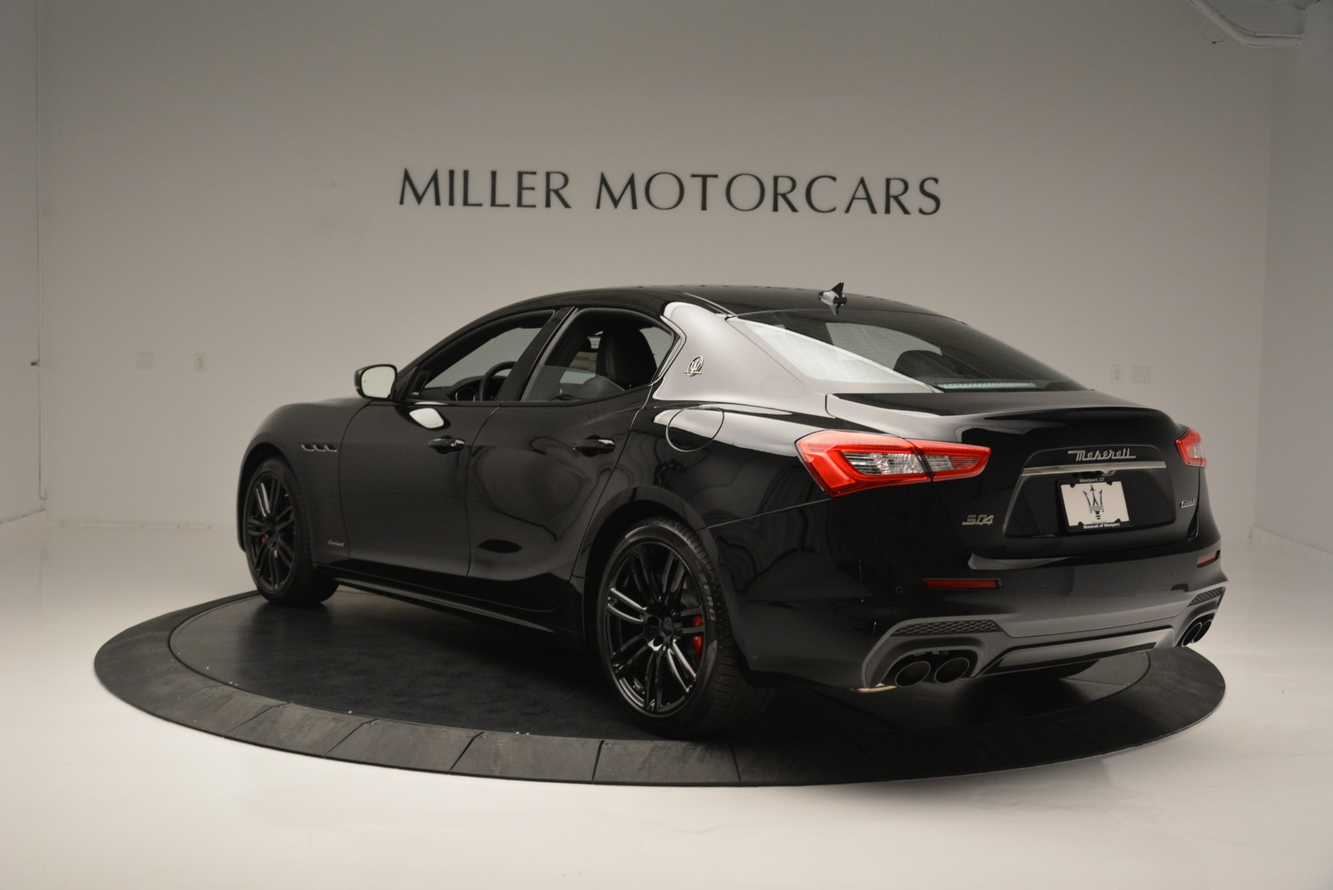 New 2018 Maserati Ghibli SQ4 GranSport Nerissimo For Sale In Greenwich, CT 2368_p5