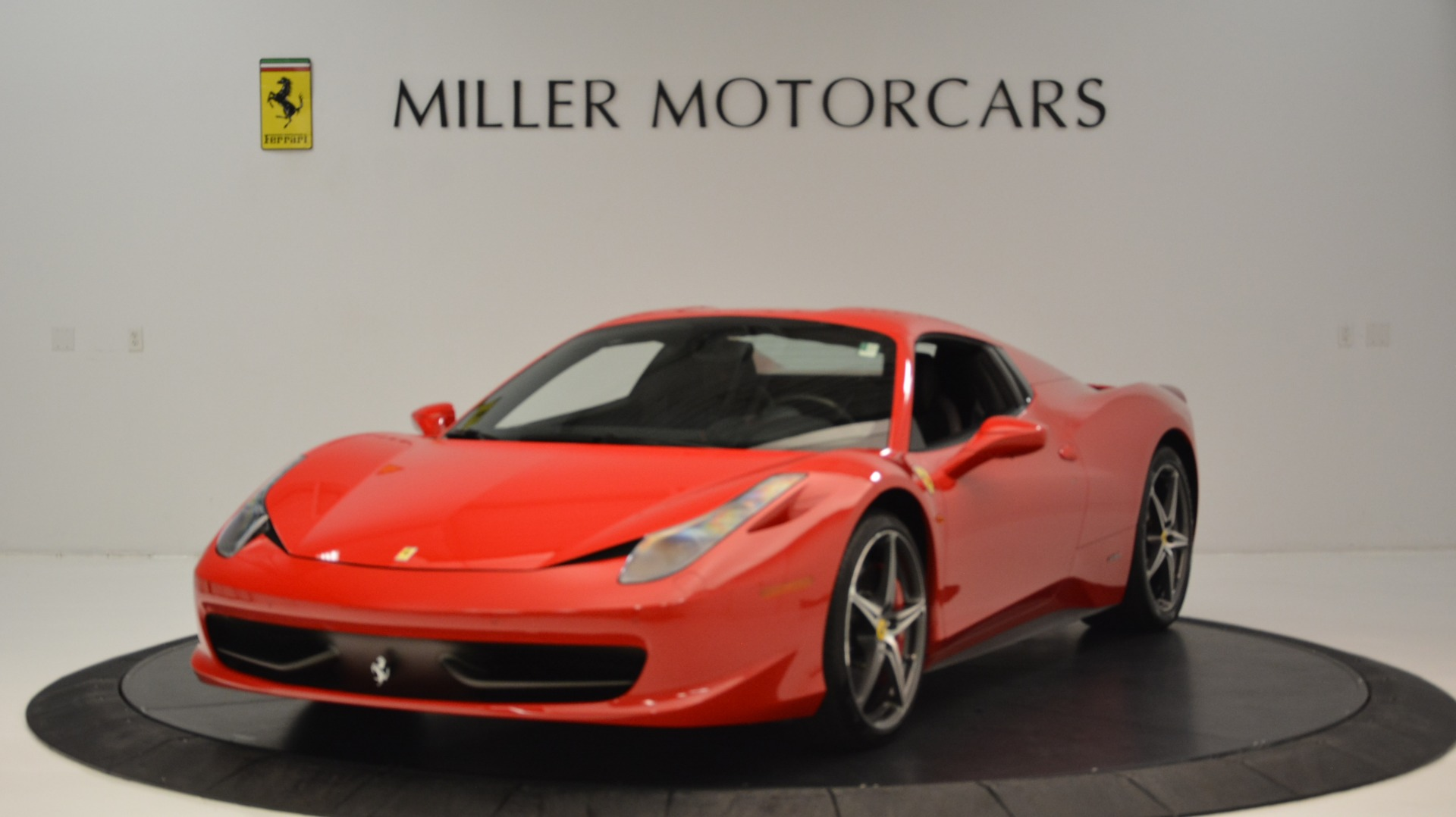 Used 2015 Ferrari 458 Spider  For Sale In Greenwich, CT 2369_p14