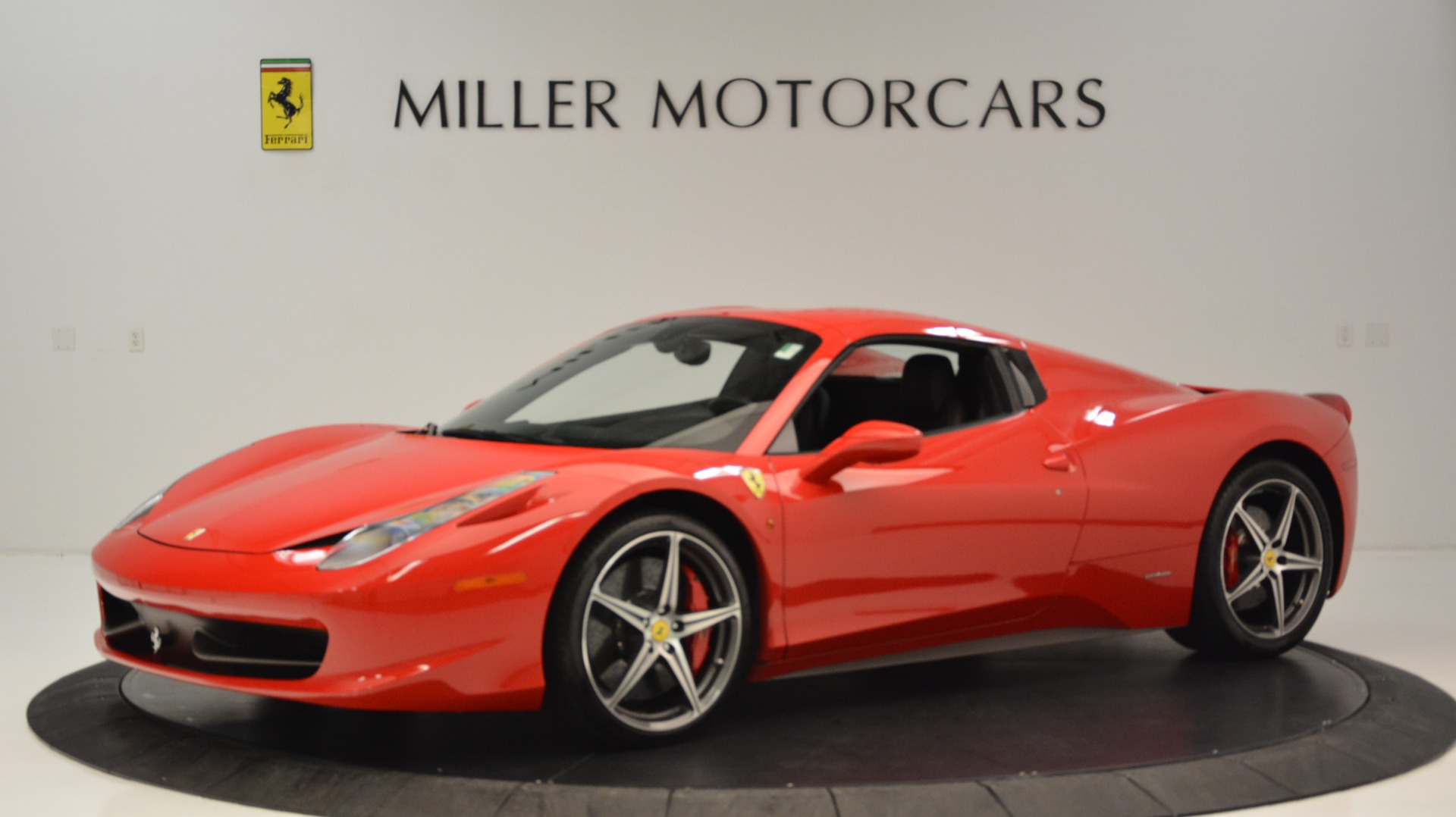 Used 2015 Ferrari 458 Spider  For Sale In Greenwich, CT 2369_p15