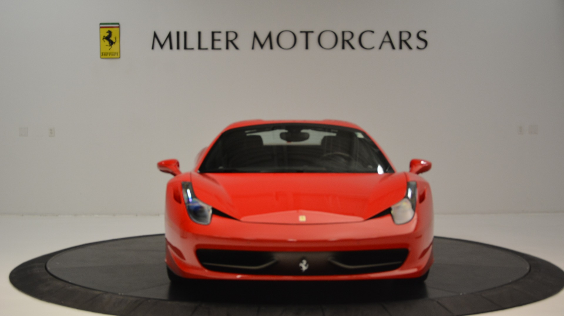 Used 2015 Ferrari 458 Spider  For Sale In Greenwich, CT 2369_p25