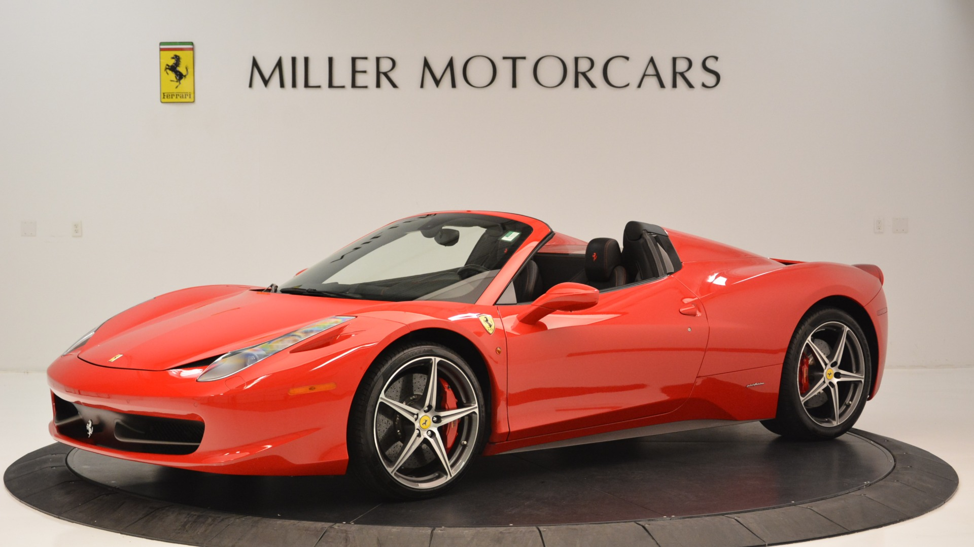 Used 2015 Ferrari 458 Spider  For Sale In Greenwich, CT 2369_p2