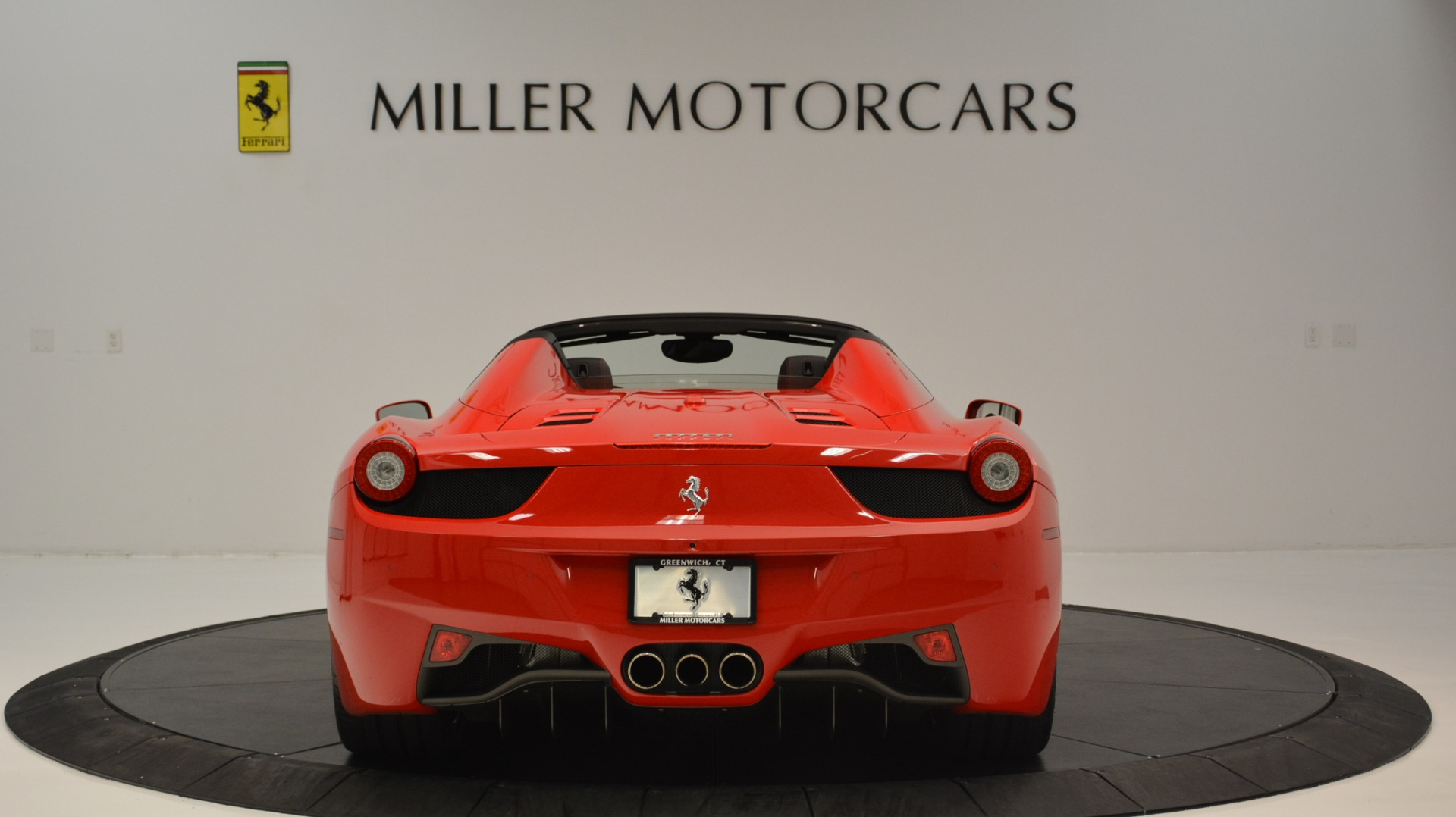 Used 2015 Ferrari 458 Spider  For Sale In Greenwich, CT 2369_p7