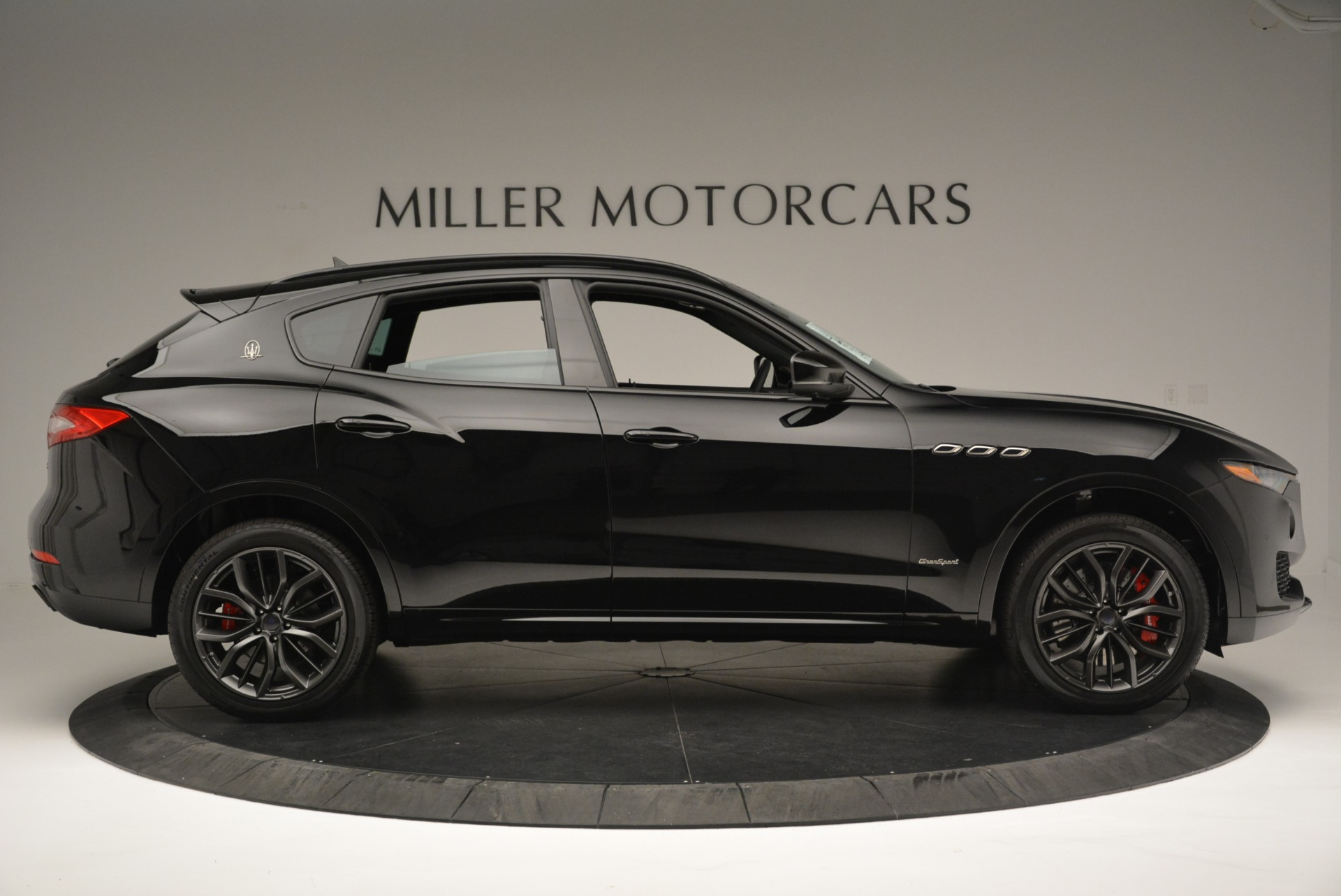 New 2018 Maserati Levante S Q4 GranSport Nerissimo For Sale In Greenwich, CT 2370_p9
