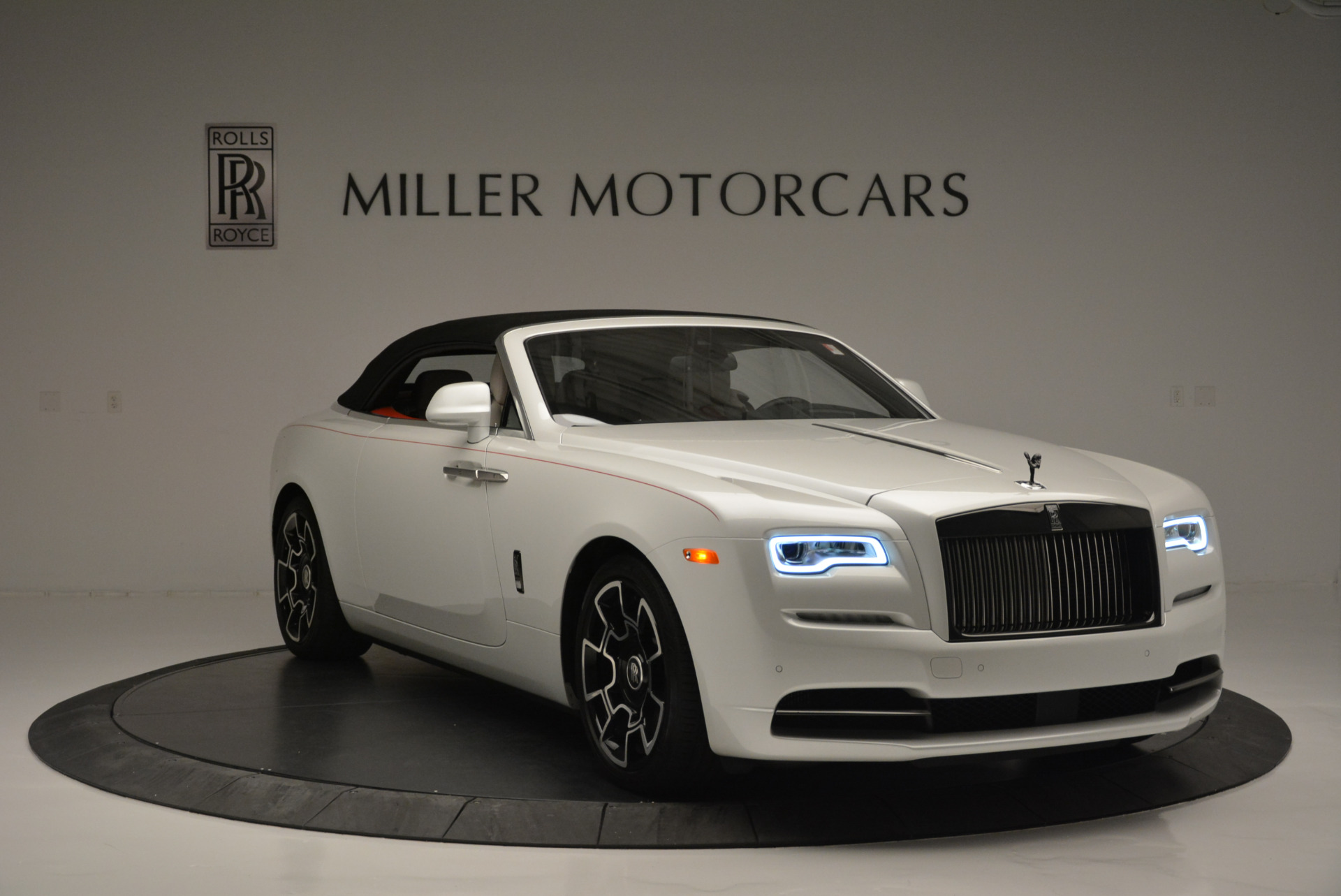 Used 2018 Rolls-Royce Dawn Black Badge For Sale In Greenwich, CT 2376_p15