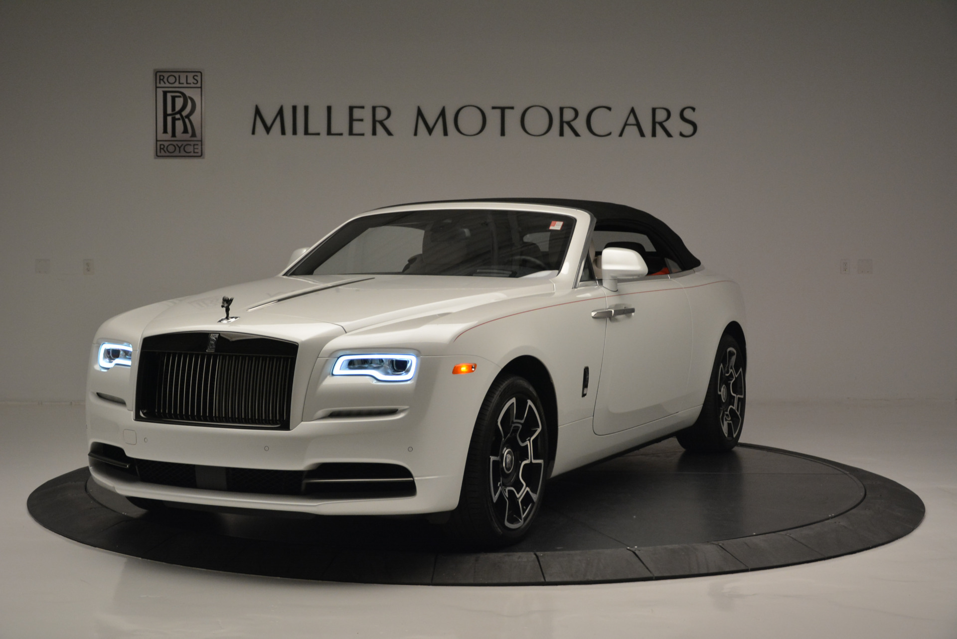 Used 2018 Rolls-Royce Dawn Black Badge For Sale In Greenwich, CT 2376_p9