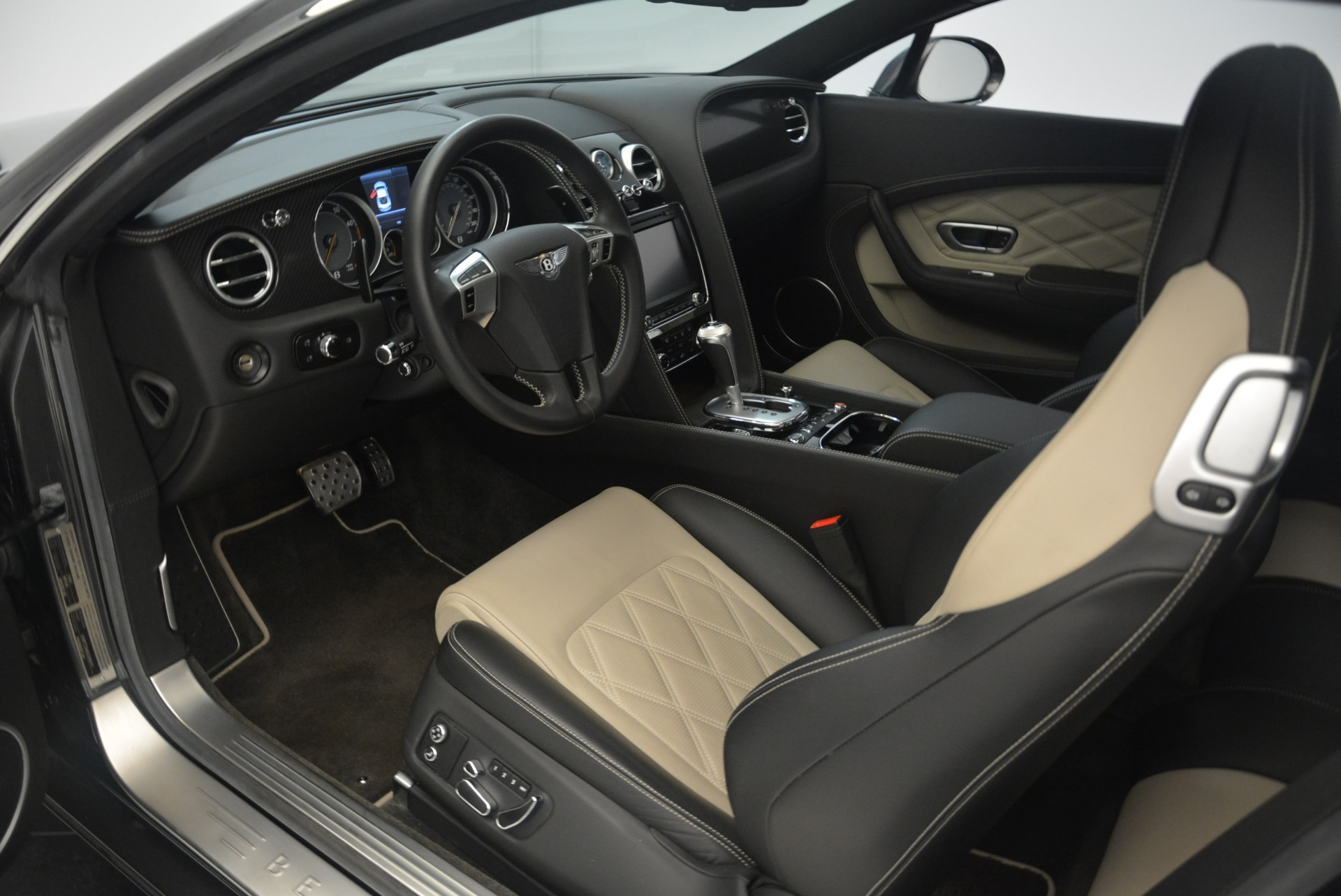 Used 2013 Bentley Continental GT V8 For Sale In Greenwich, CT 2377_p18