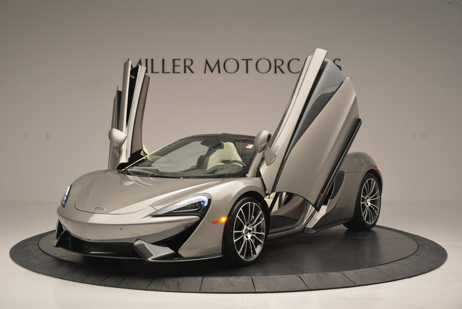 New 2018 McLaren 570S Spider For Sale In Greenwich, CT 2387_p13
