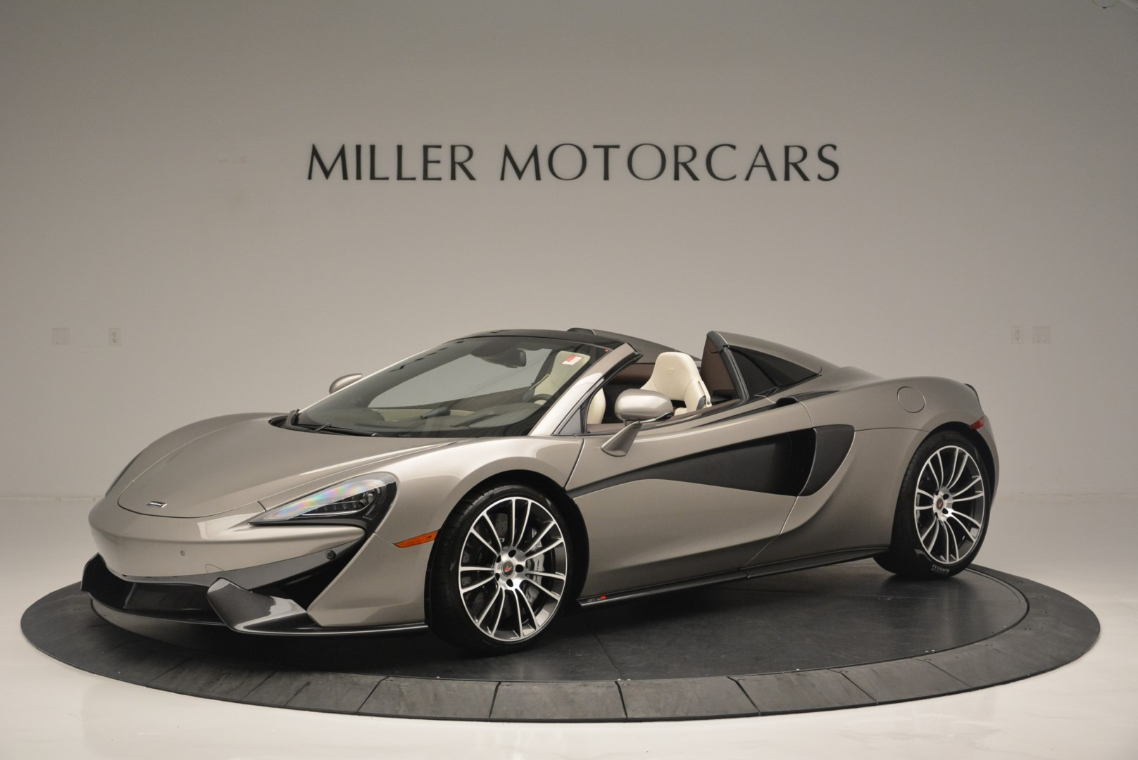New 2018 McLaren 570S Spider For Sale In Greenwich, CT 2387_p2
