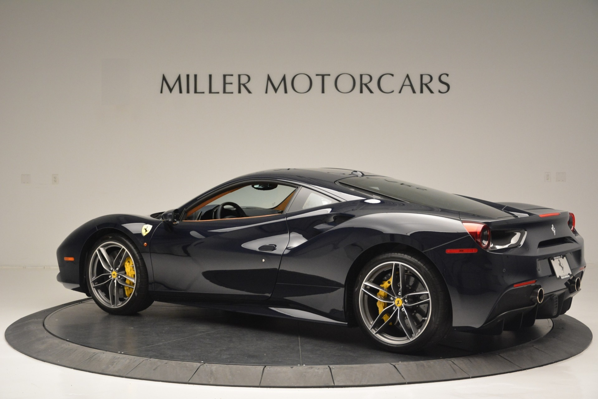 Used 2018 Ferrari 488 GTB  For Sale In Greenwich, CT 2388_p4