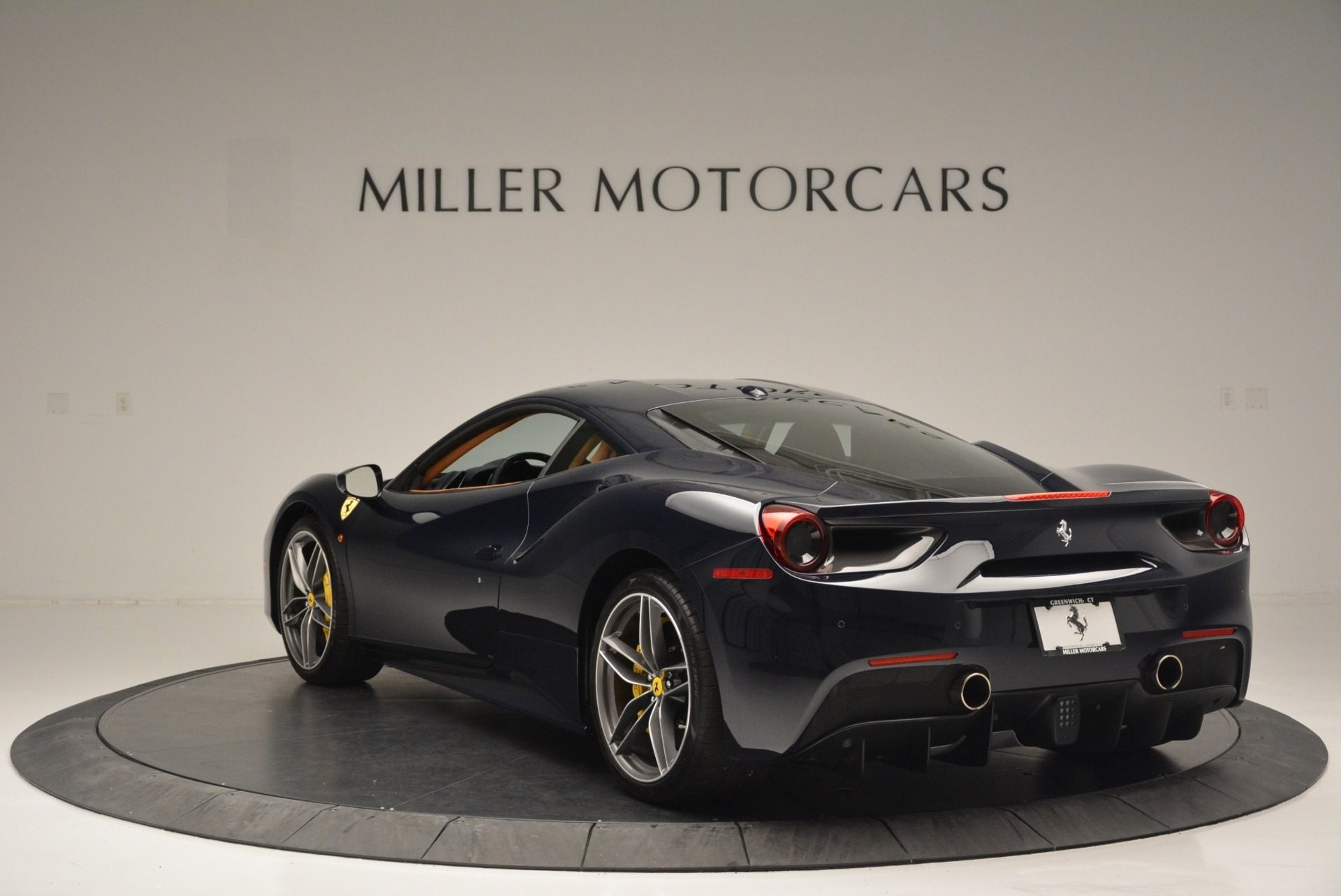 Used 2018 Ferrari 488 GTB  For Sale In Greenwich, CT 2388_p5
