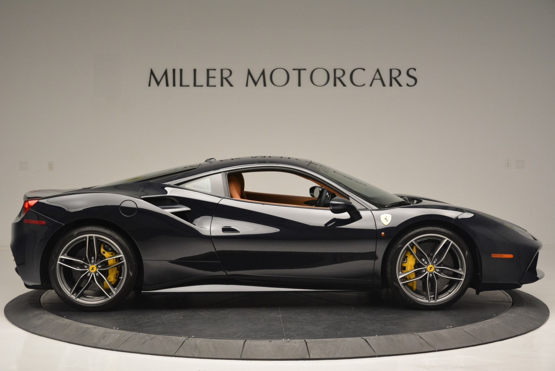 Used 2018 Ferrari 488 GTB  For Sale In Greenwich, CT 2388_p9