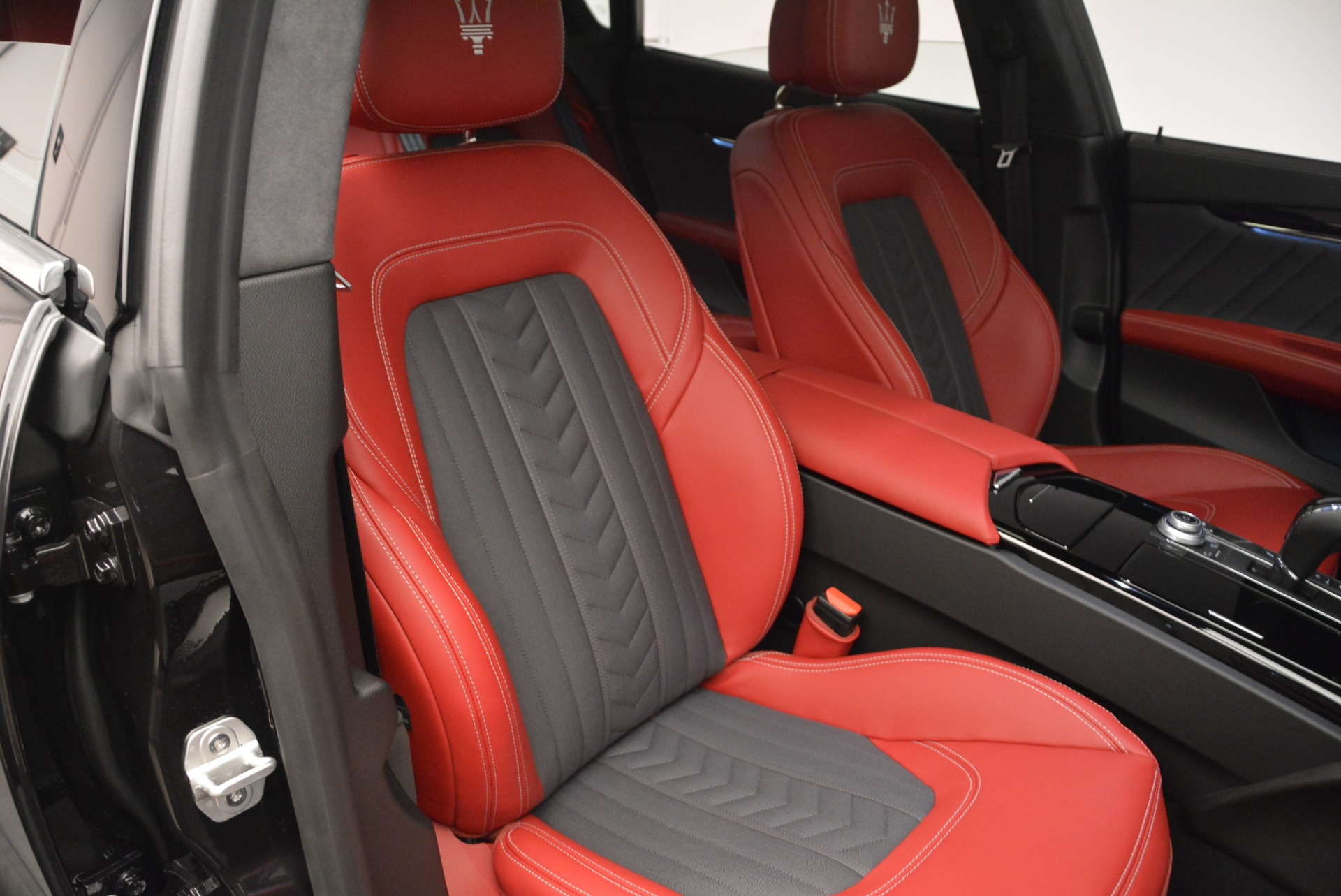 New 2018 Maserati Quattroporte S Q4 GranLusso For Sale In Greenwich, CT 2391_p22