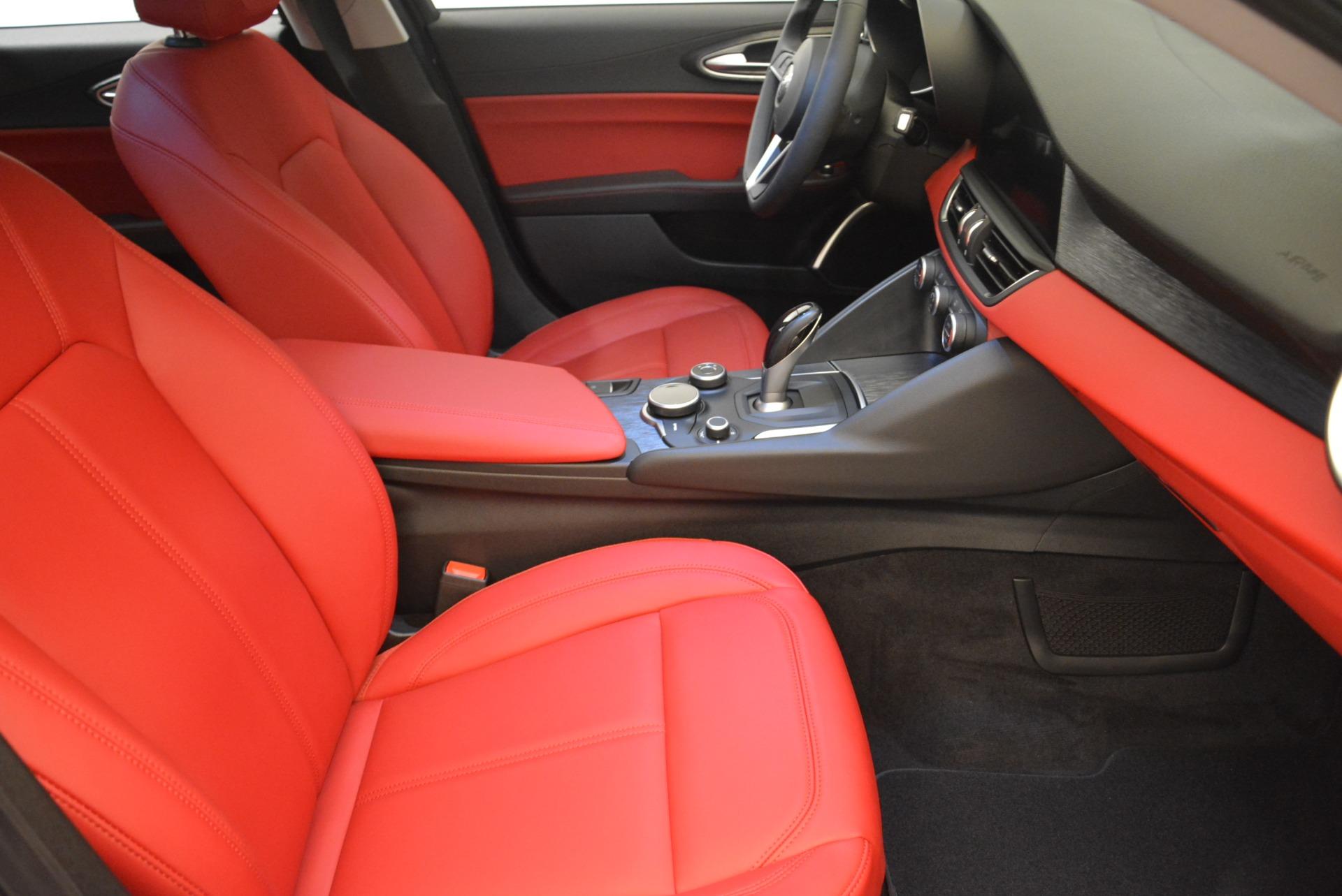 New 2018 Alfa Romeo Giulia Q4 For Sale In Greenwich, CT 2395_p20