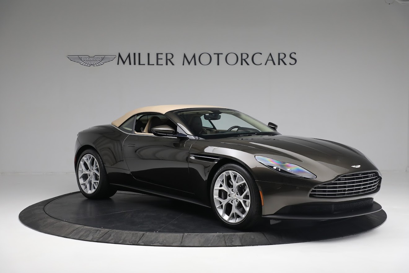 New 2019 Aston Martin DB11 V8 Convertible For Sale In Greenwich, CT 2410_p17