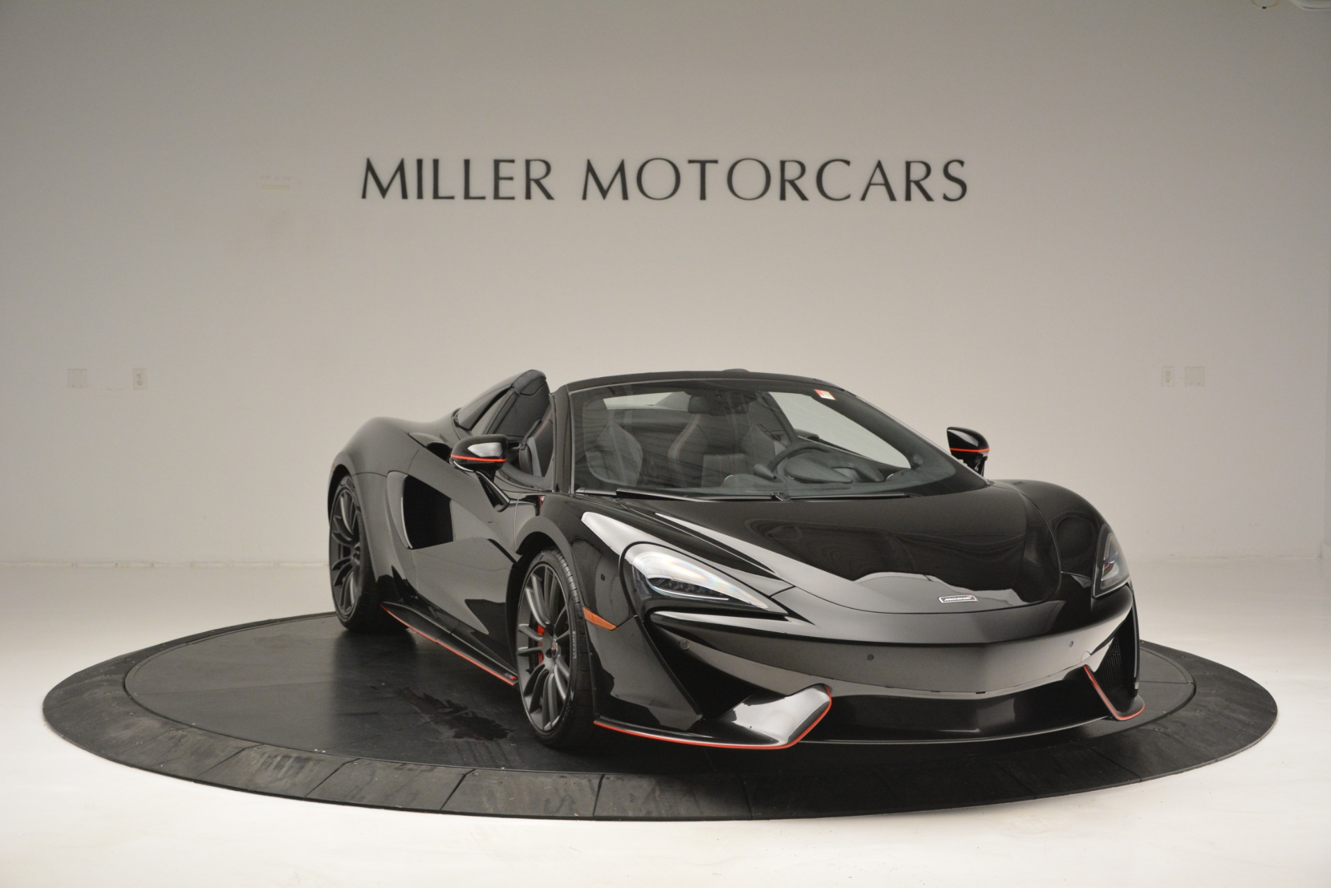Used 2018 McLaren 570S Spider For Sale In Greenwich, CT 2420_p11