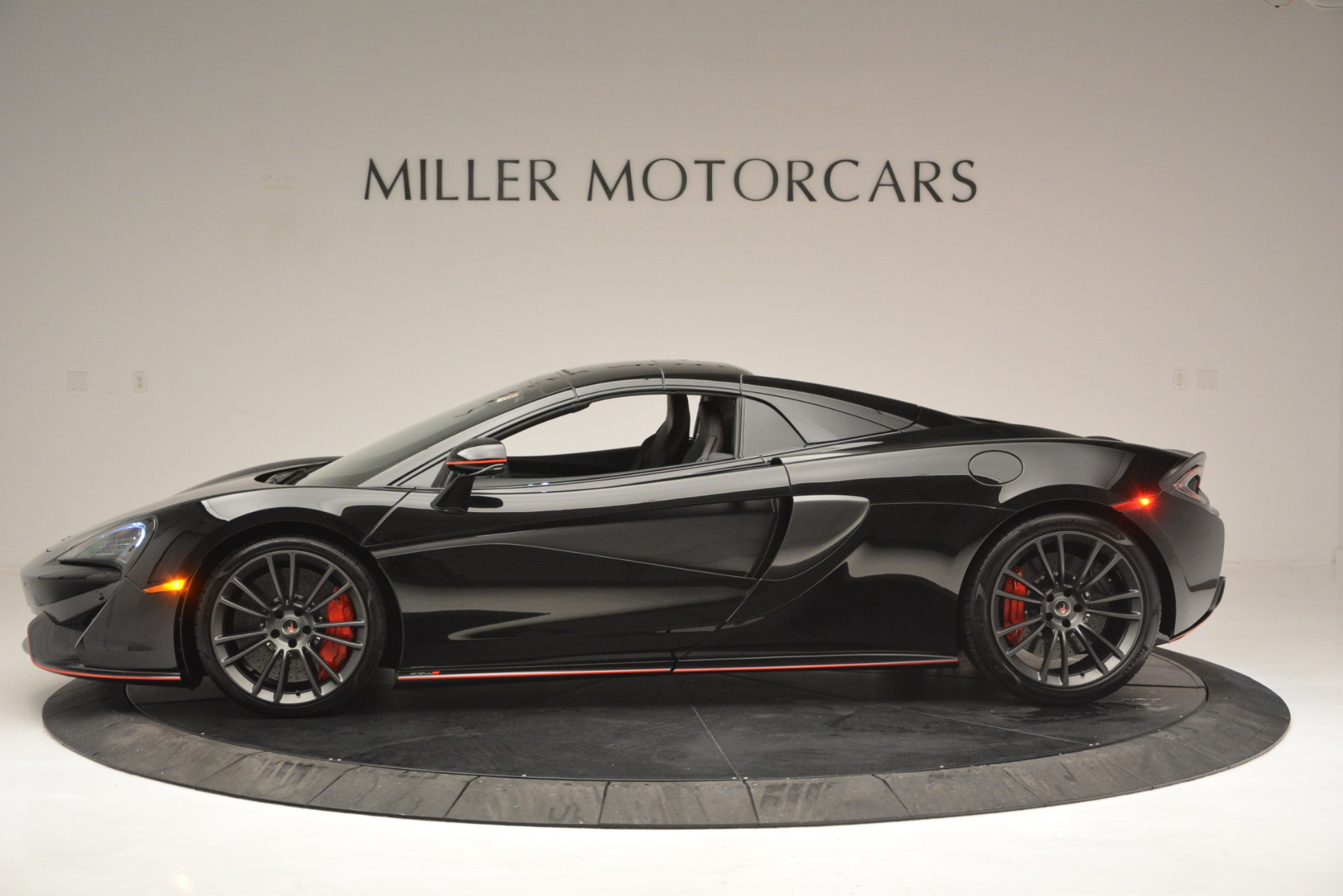 Used 2018 McLaren 570S Spider For Sale In Greenwich, CT 2420_p16