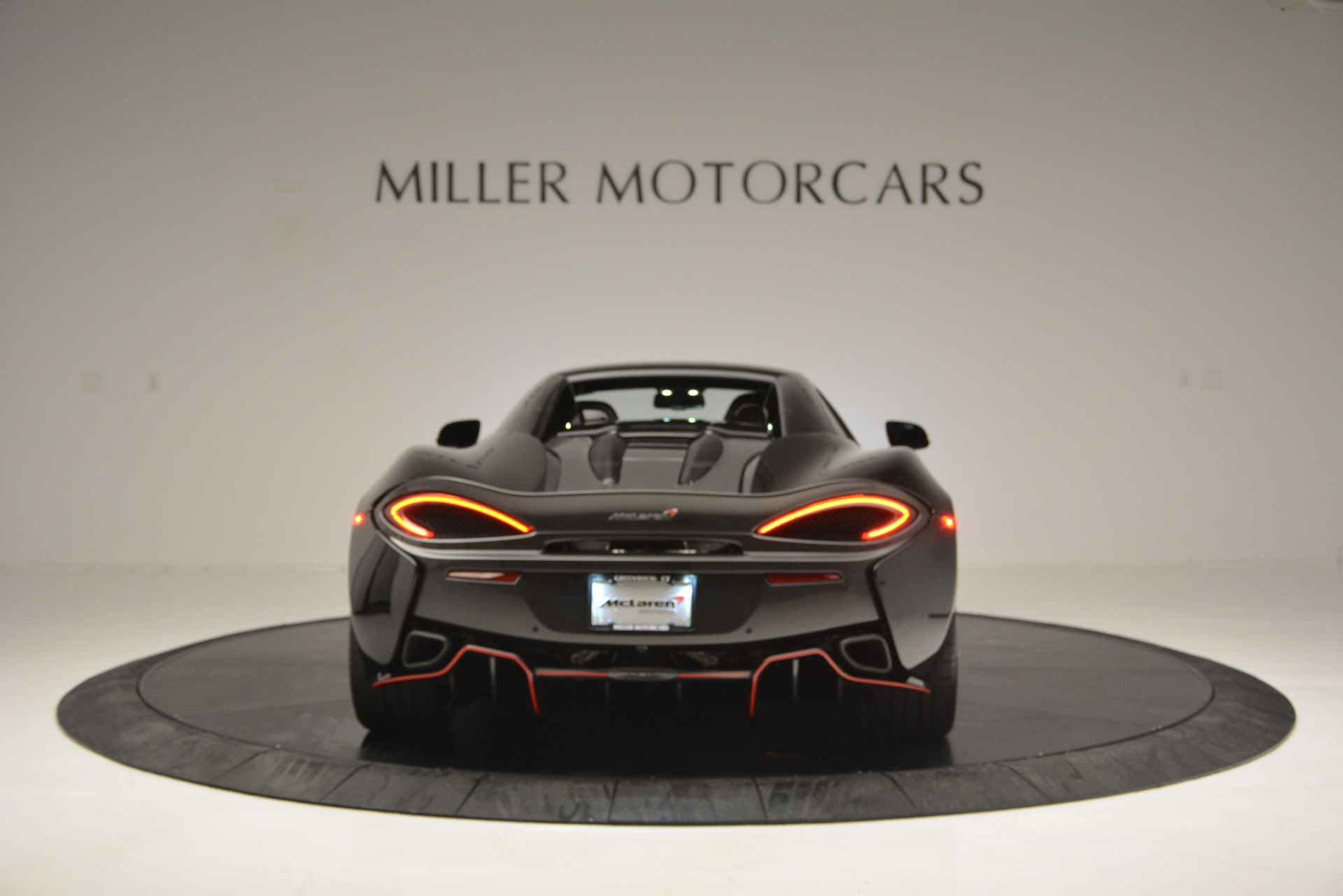 Used 2018 McLaren 570S Spider For Sale In Greenwich, CT 2420_p18