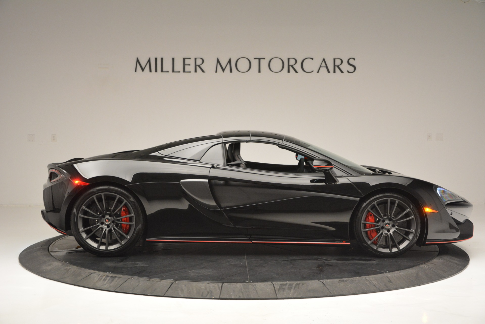 Used 2018 McLaren 570S Spider For Sale In Greenwich, CT 2420_p20