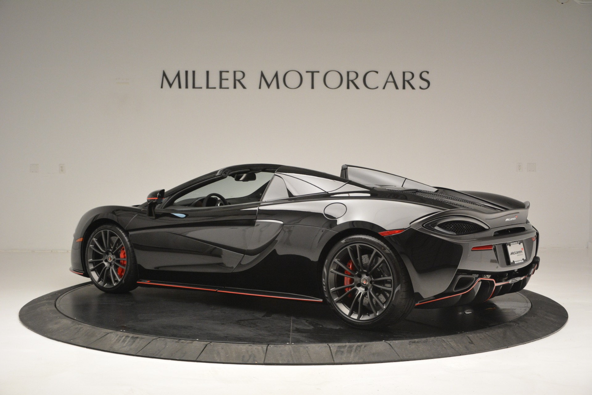 Used 2018 McLaren 570S Spider For Sale In Greenwich, CT 2420_p4