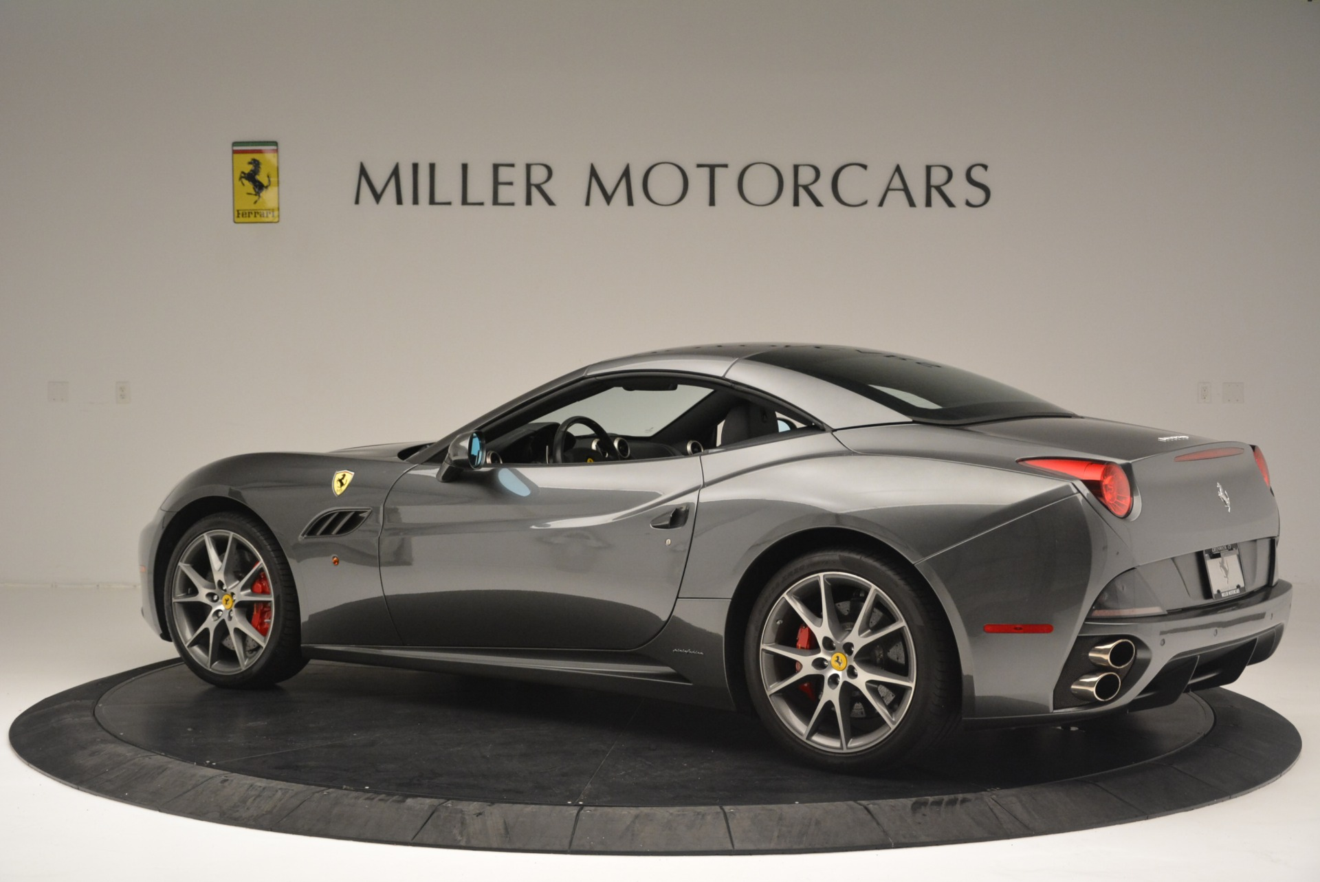 Used 2010 Ferrari California  For Sale In Greenwich, CT 2424_p16