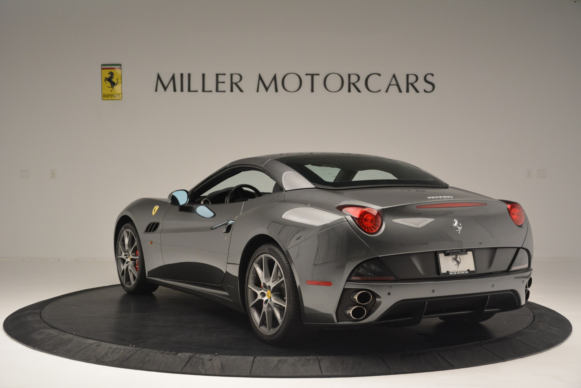 Used 2010 Ferrari California  For Sale In Greenwich, CT 2424_p17