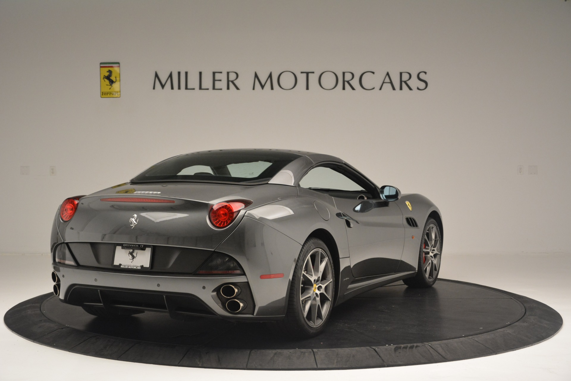 Used 2010 Ferrari California  For Sale In Greenwich, CT 2424_p19