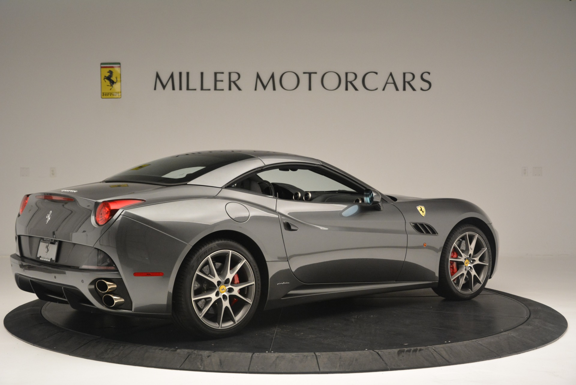 Used 2010 Ferrari California  For Sale In Greenwich, CT 2424_p20
