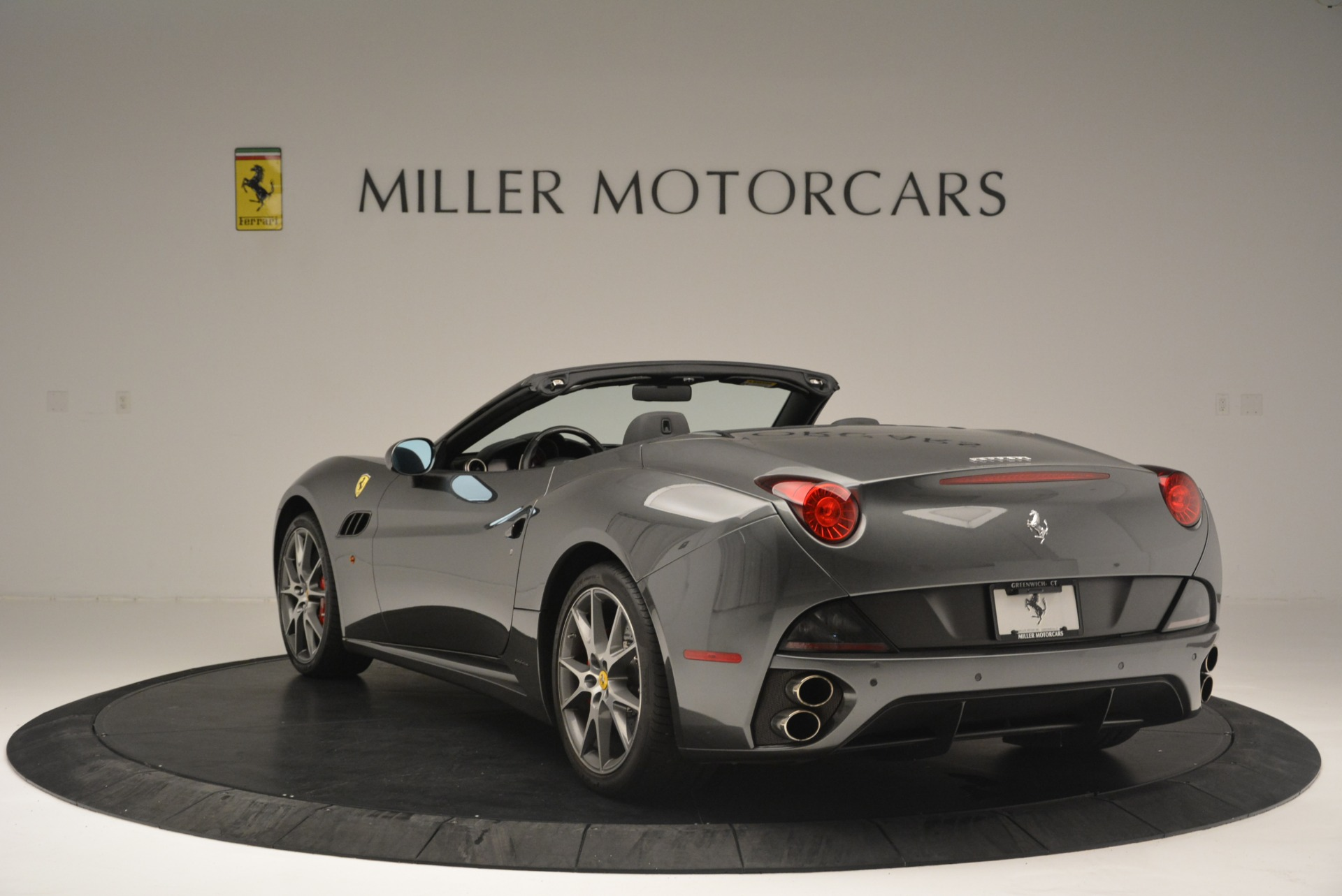 Used 2010 Ferrari California  For Sale In Greenwich, CT 2424_p5