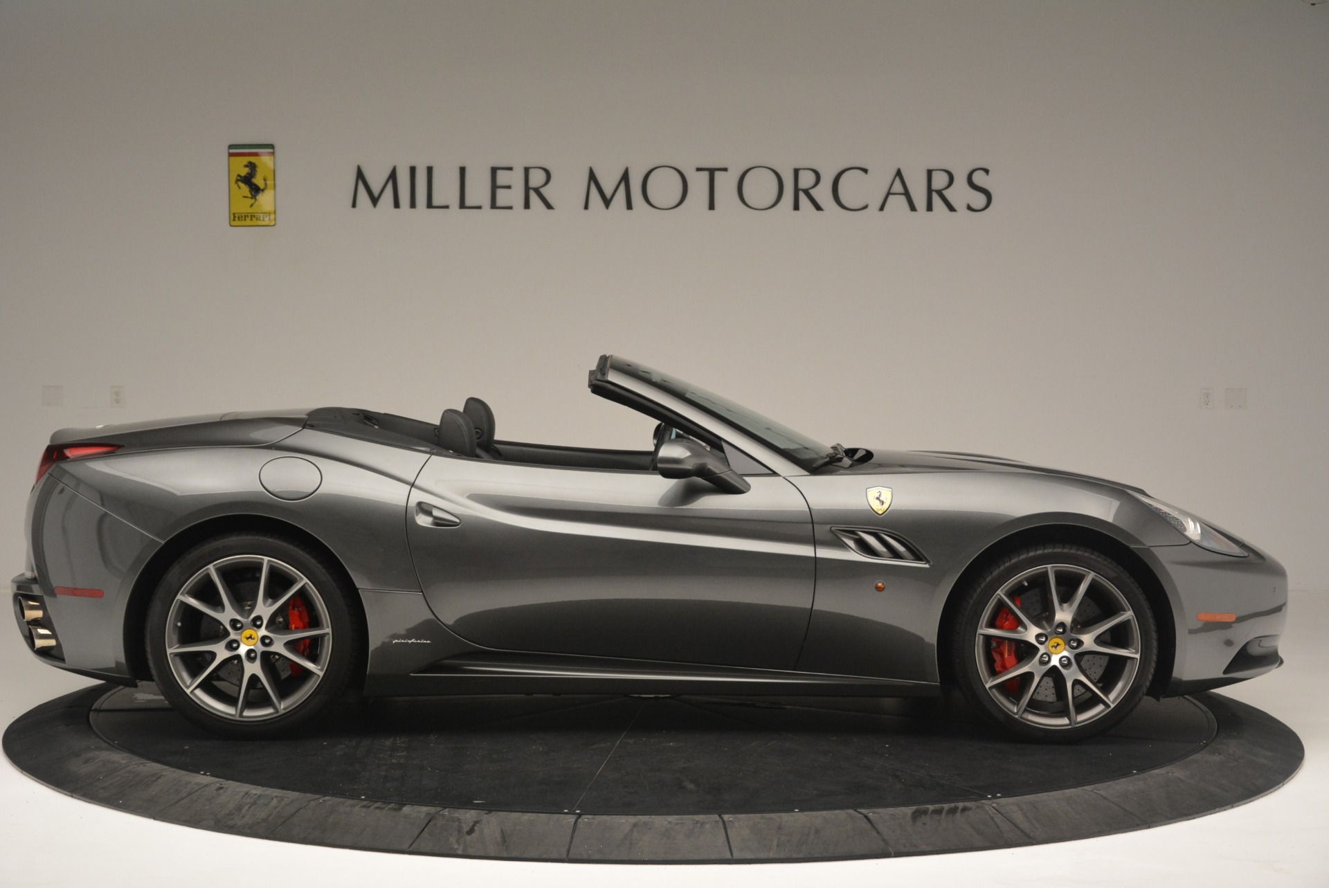 Used 2010 Ferrari California  For Sale In Greenwich, CT 2424_p9