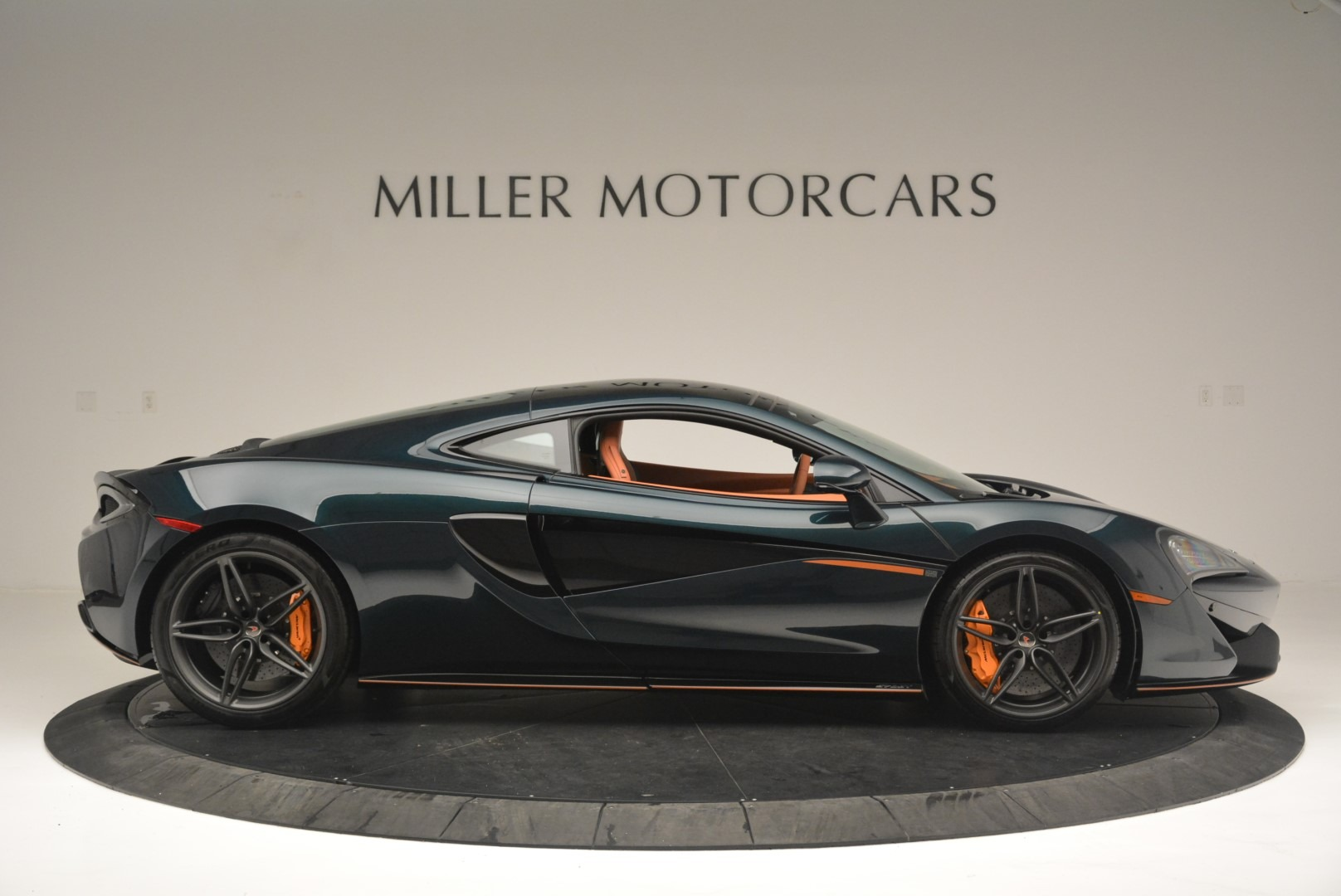 New 2018 McLaren 570GT Coupe For Sale In Greenwich, CT 2425_p9
