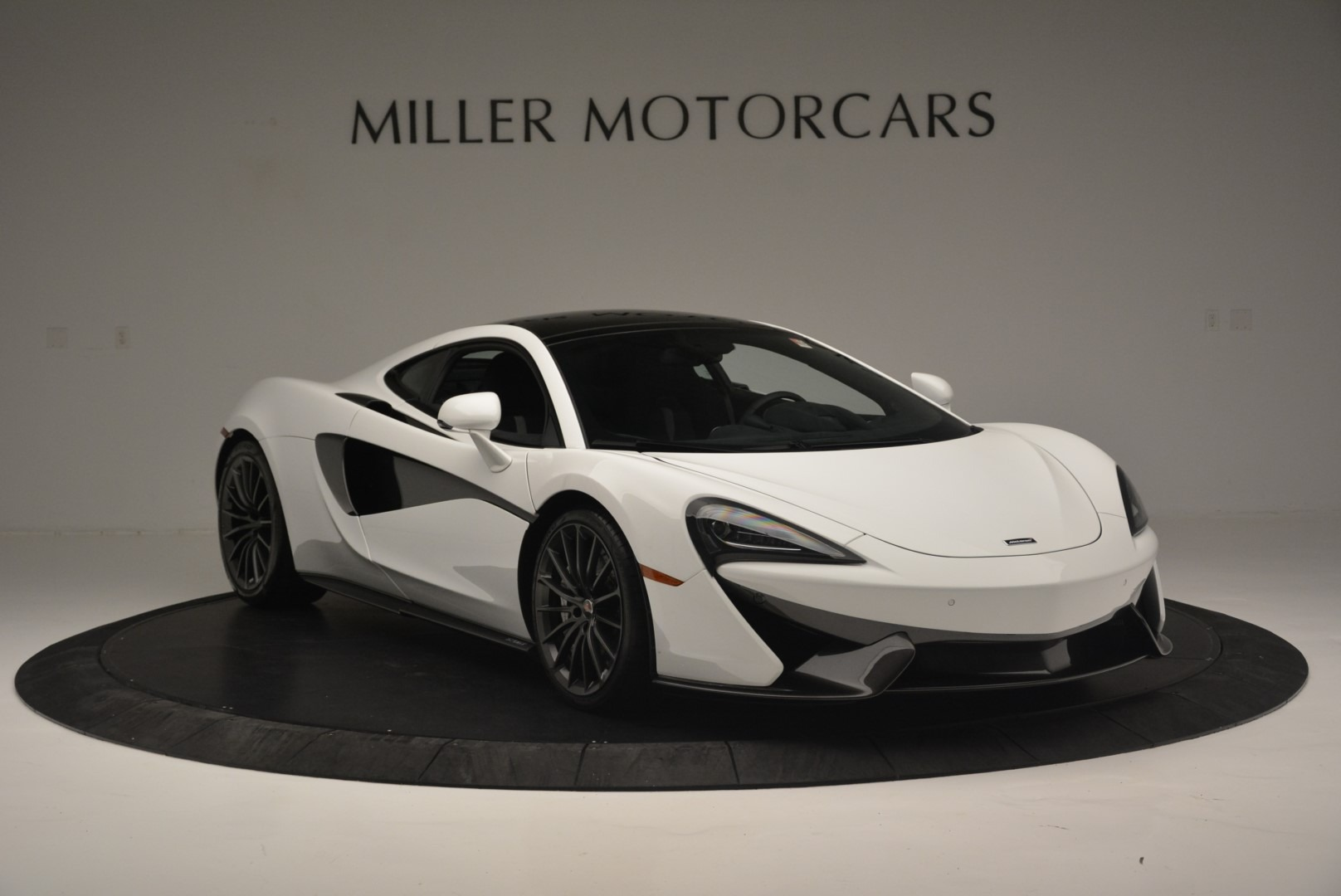 Used 2018 McLaren 570GT  For Sale In Greenwich, CT 2442_p11
