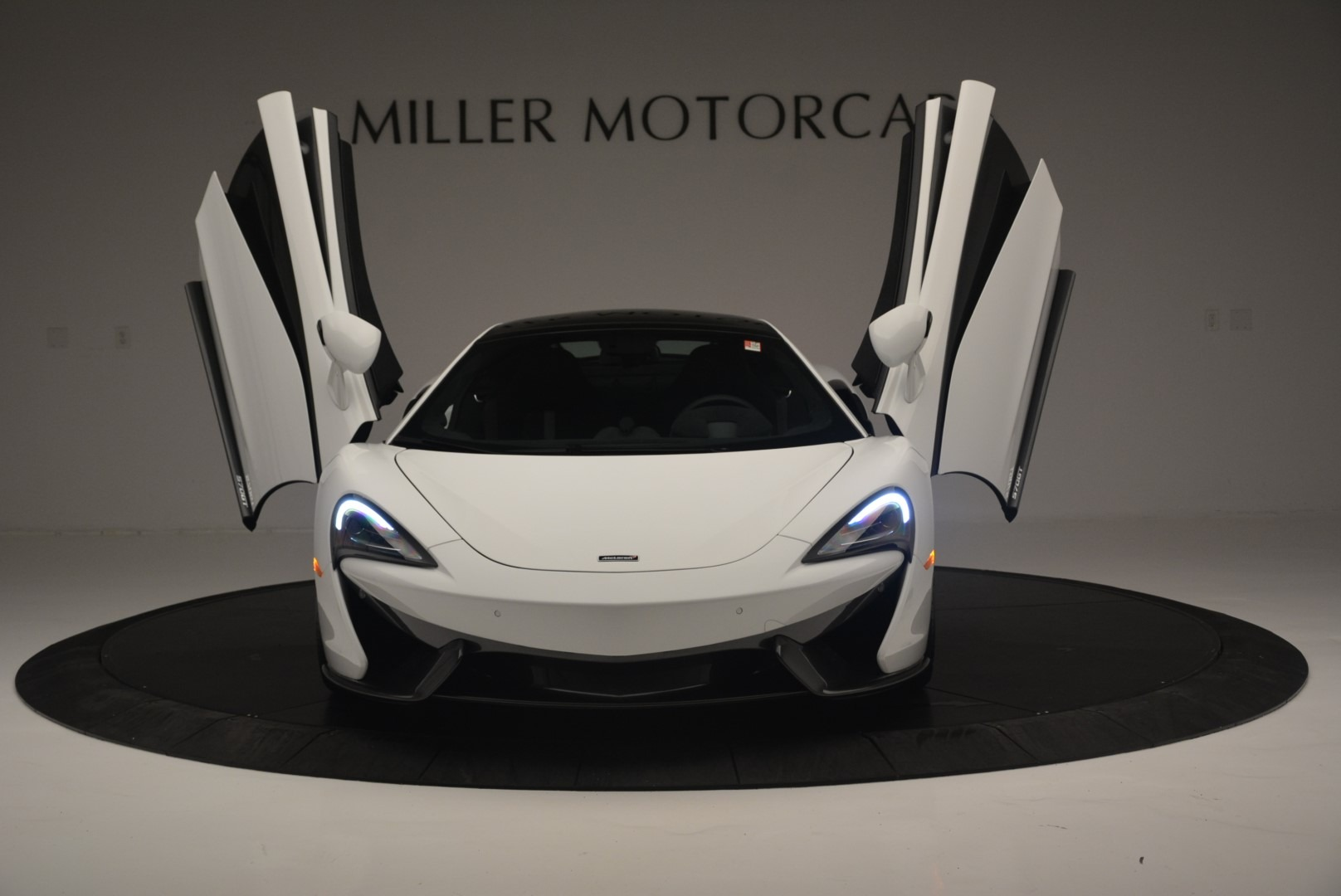Used 2018 McLaren 570GT  For Sale In Greenwich, CT 2442_p13