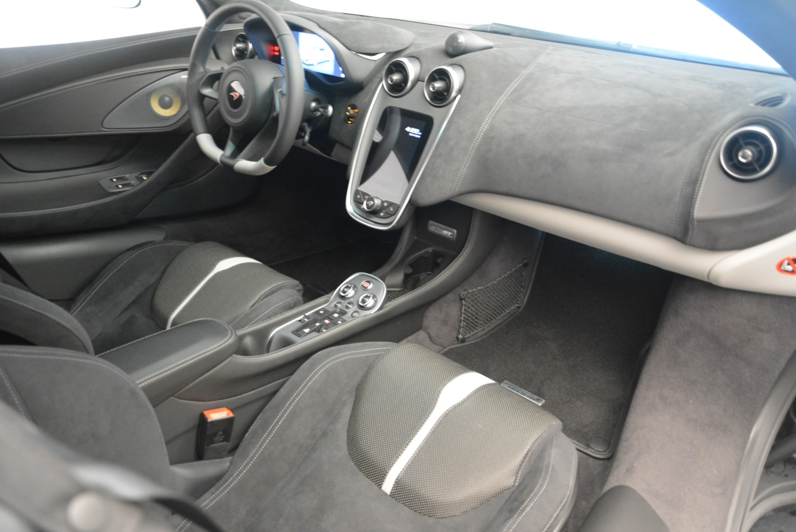 Used 2018 McLaren 570GT  For Sale In Greenwich, CT 2442_p18