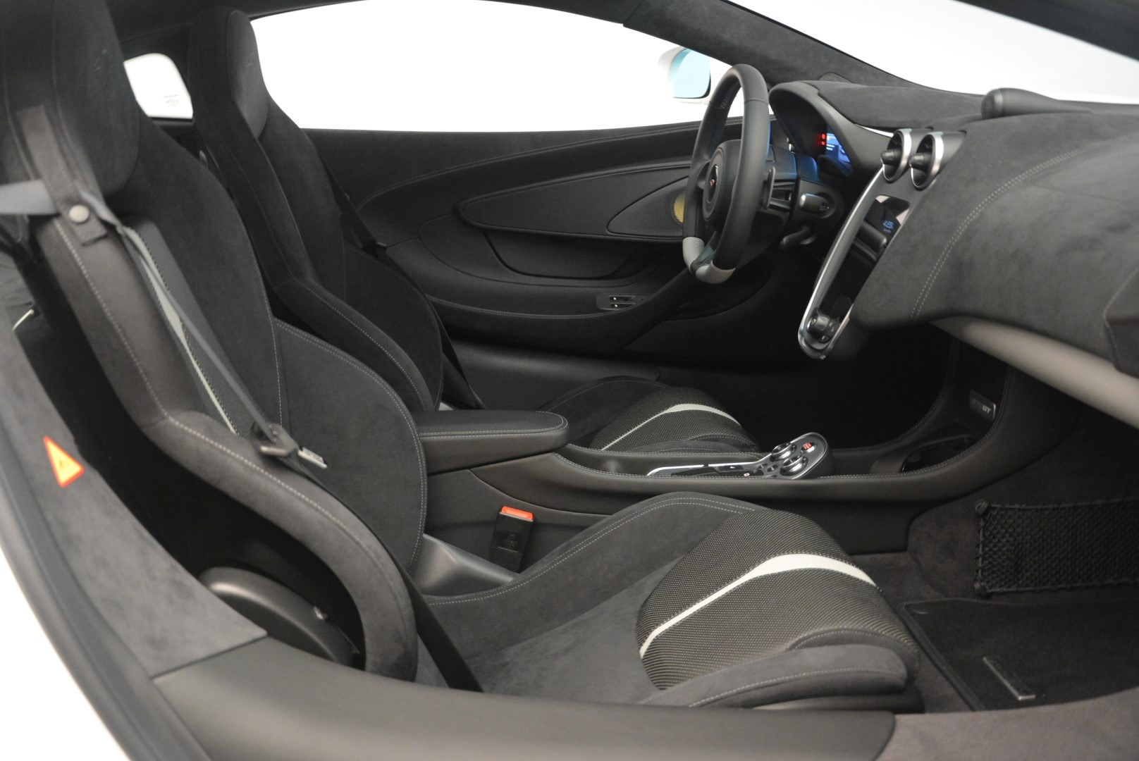 Used 2018 McLaren 570GT  For Sale In Greenwich, CT 2442_p19
