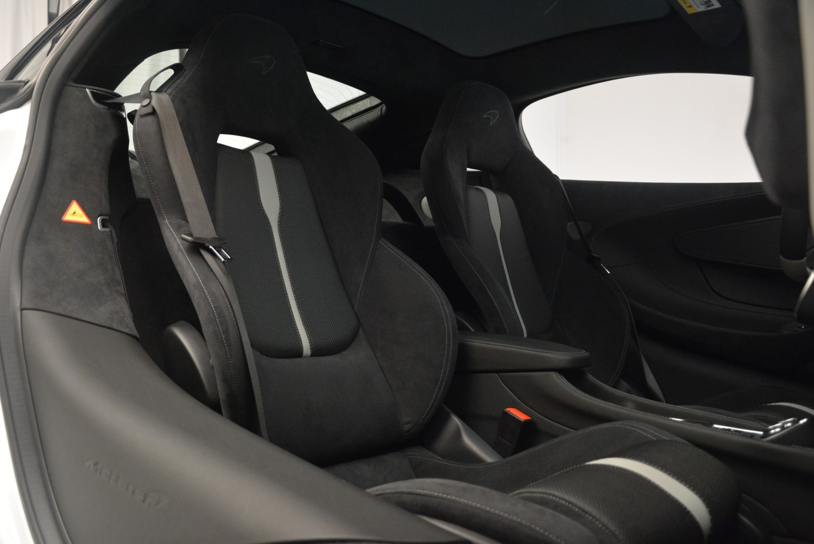 Used 2018 McLaren 570GT  For Sale In Greenwich, CT 2442_p20
