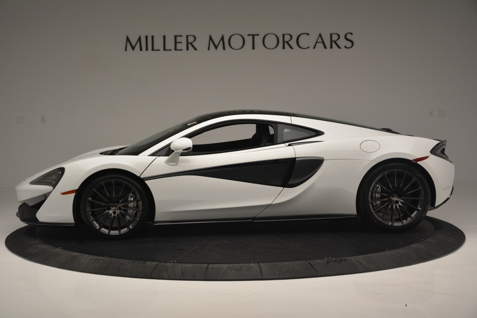 Used 2018 McLaren 570GT  For Sale In Greenwich, CT 2442_p3