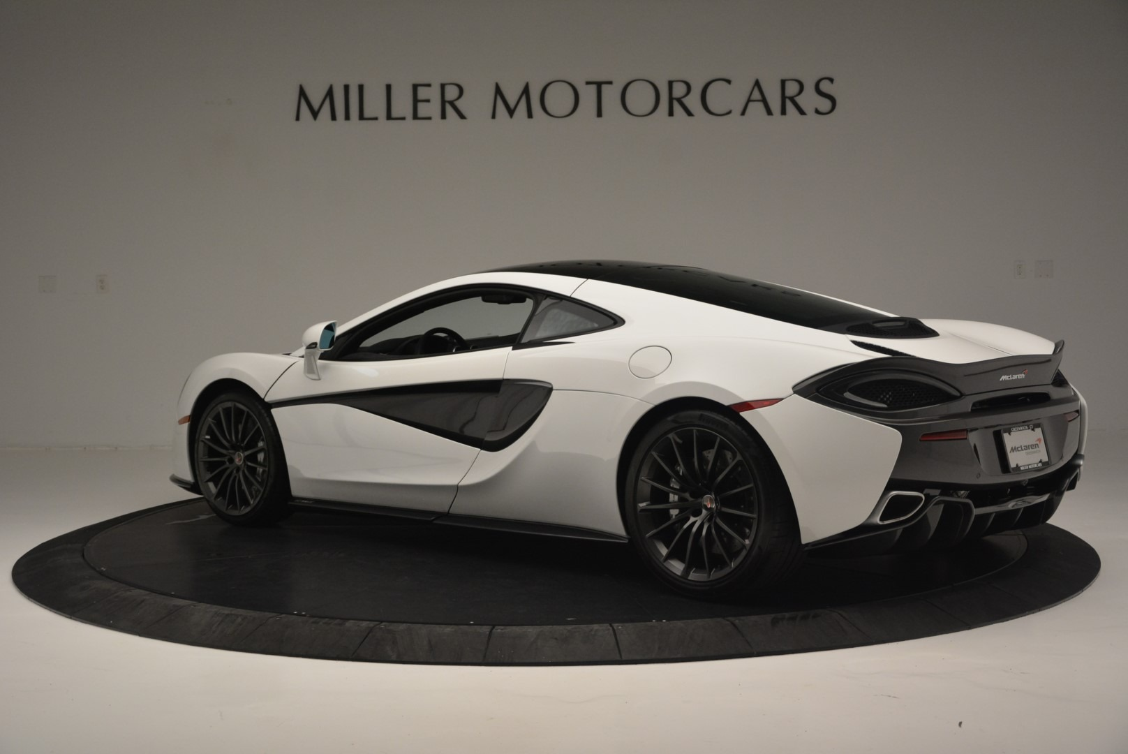 Used 2018 McLaren 570GT  For Sale In Greenwich, CT 2442_p4