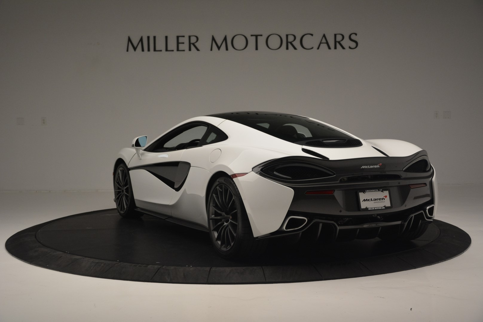 Used 2018 McLaren 570GT  For Sale In Greenwich, CT 2442_p5