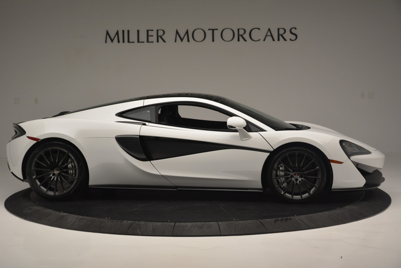 Used 2018 McLaren 570GT  For Sale In Greenwich, CT 2442_p9