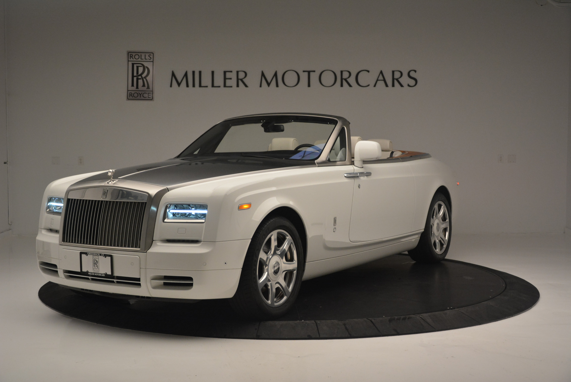 Used 2013 Rolls-Royce Phantom Drophead Coupe  For Sale In Greenwich, CT 2444_main
