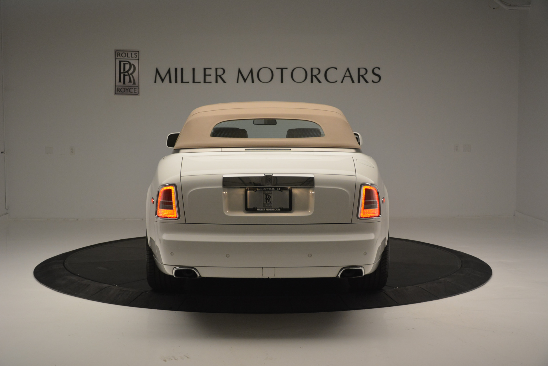Used 2013 Rolls-Royce Phantom Drophead Coupe  For Sale In Greenwich, CT 2444_p12
