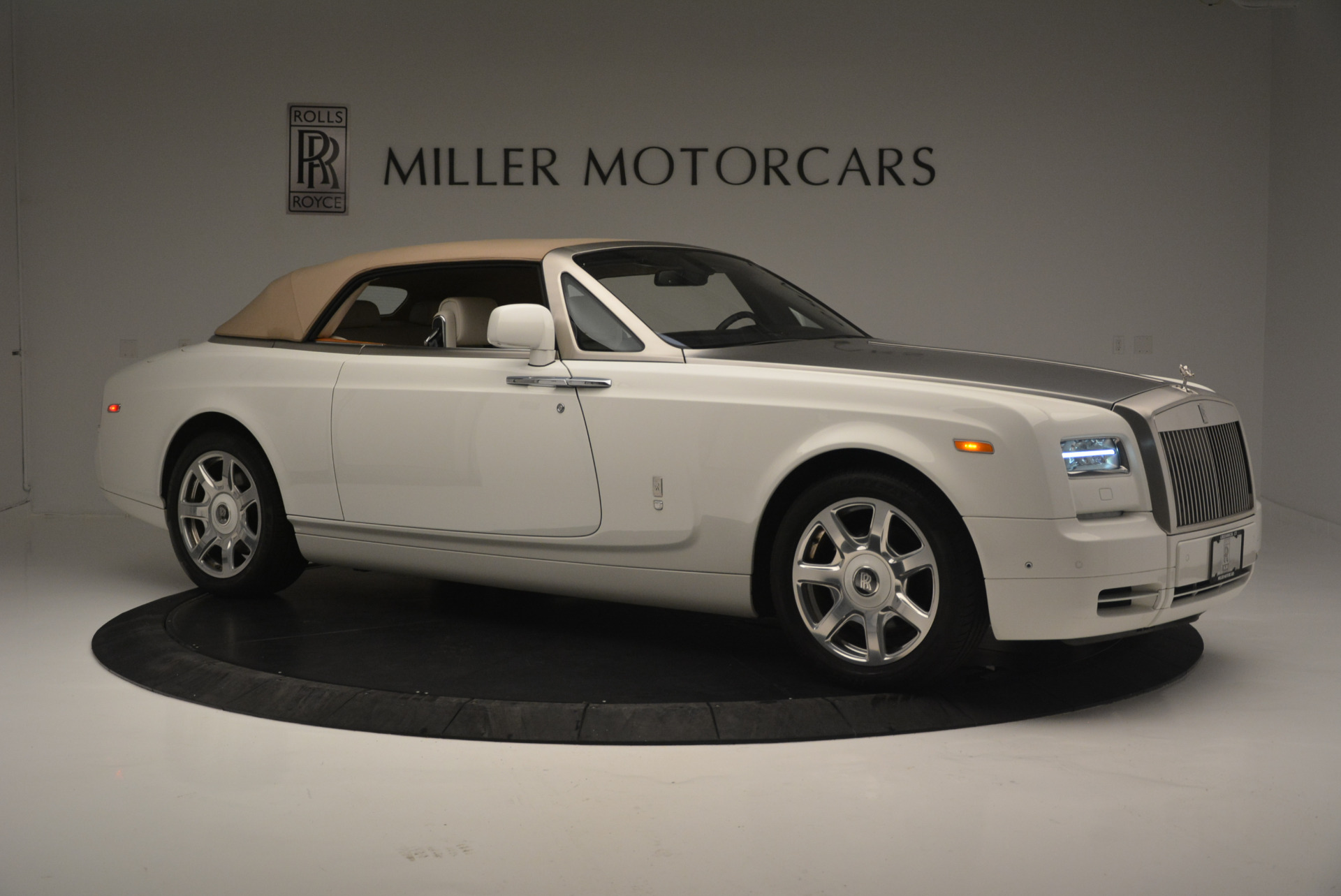 Used 2013 Rolls-Royce Phantom Drophead Coupe  For Sale In Greenwich, CT 2444_p15