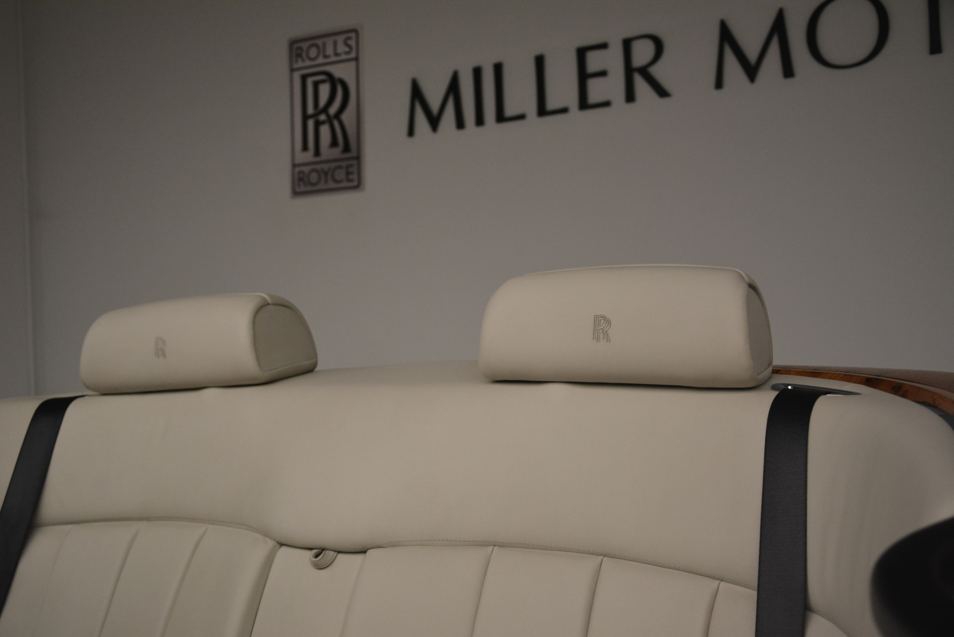 Used 2013 Rolls-Royce Phantom Drophead Coupe  For Sale In Greenwich, CT 2444_p29