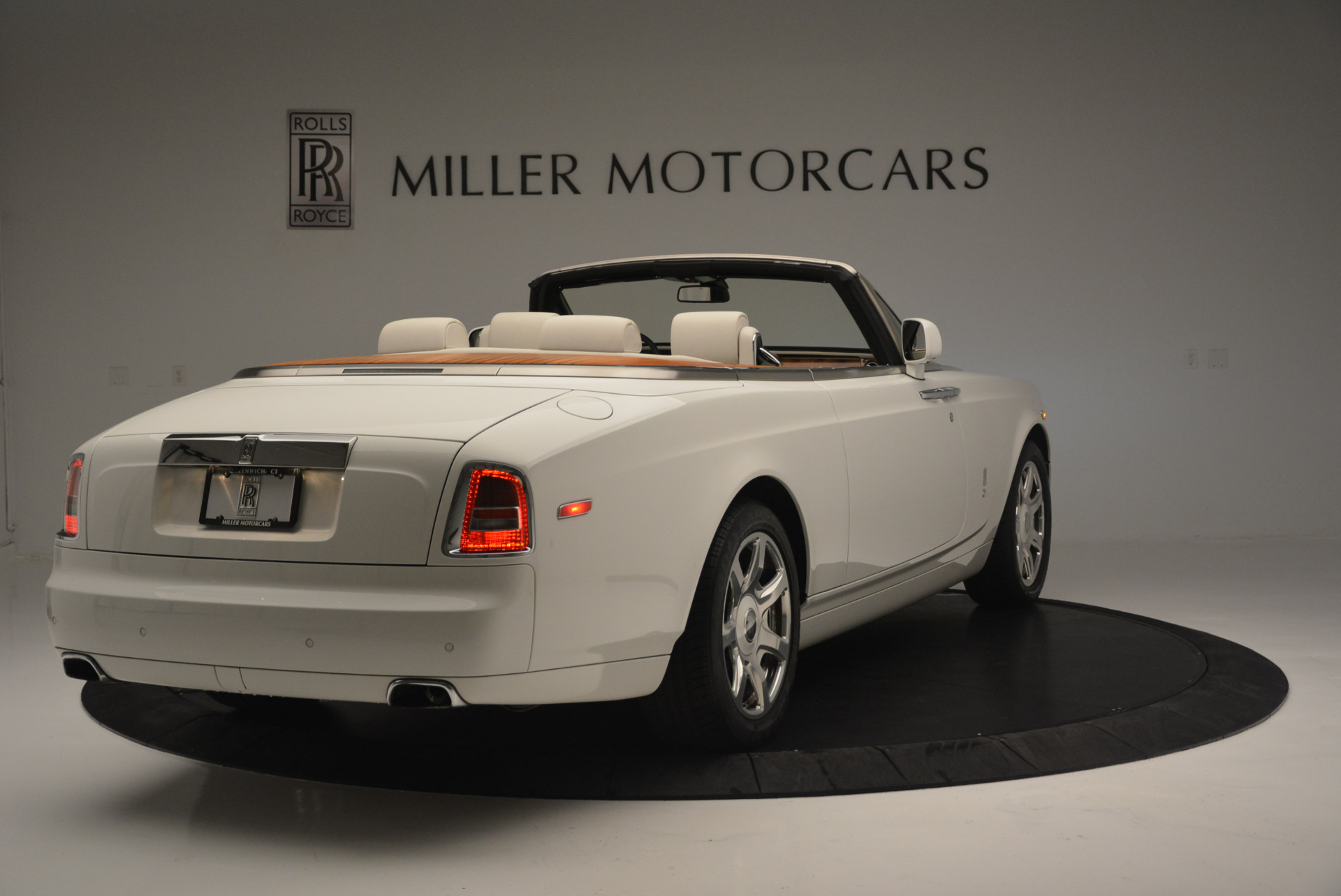 Used 2013 Rolls-Royce Phantom Drophead Coupe  For Sale In Greenwich, CT 2444_p5
