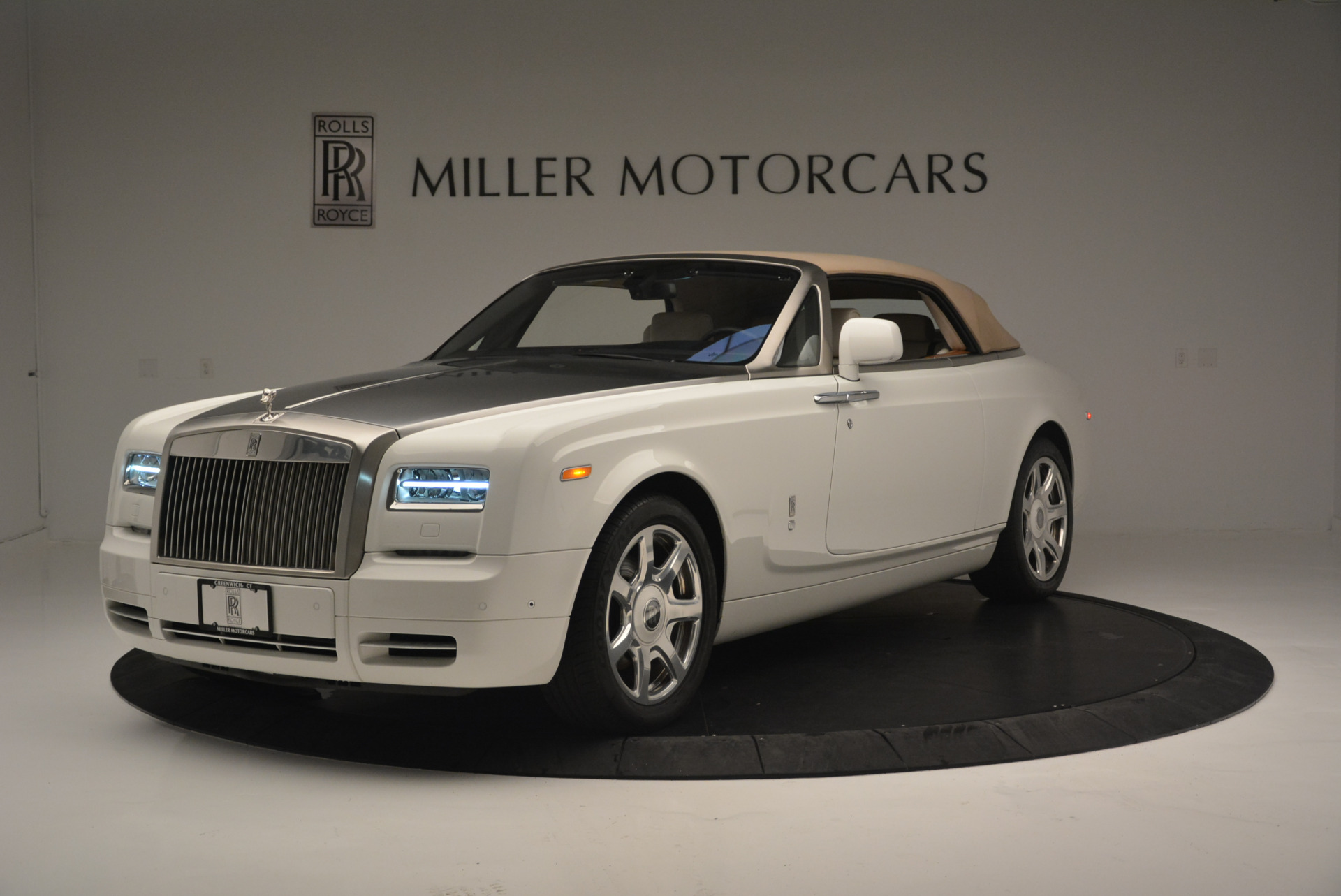 Used 2013 Rolls-Royce Phantom Drophead Coupe  For Sale In Greenwich, CT 2444_p9