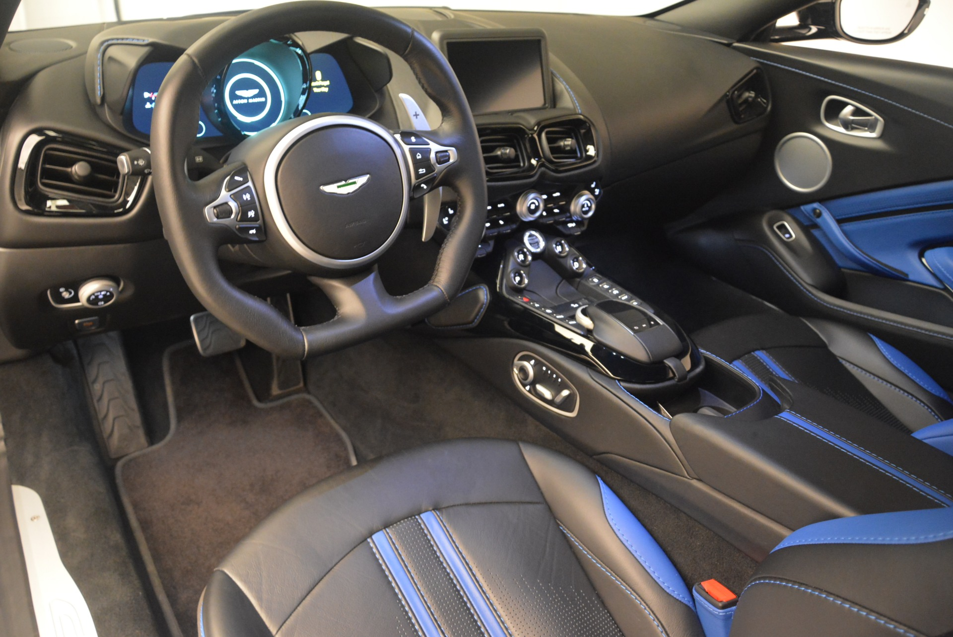 Used 2019 Aston Martin Vantage Coupe For Sale In Greenwich, CT 2445_p14
