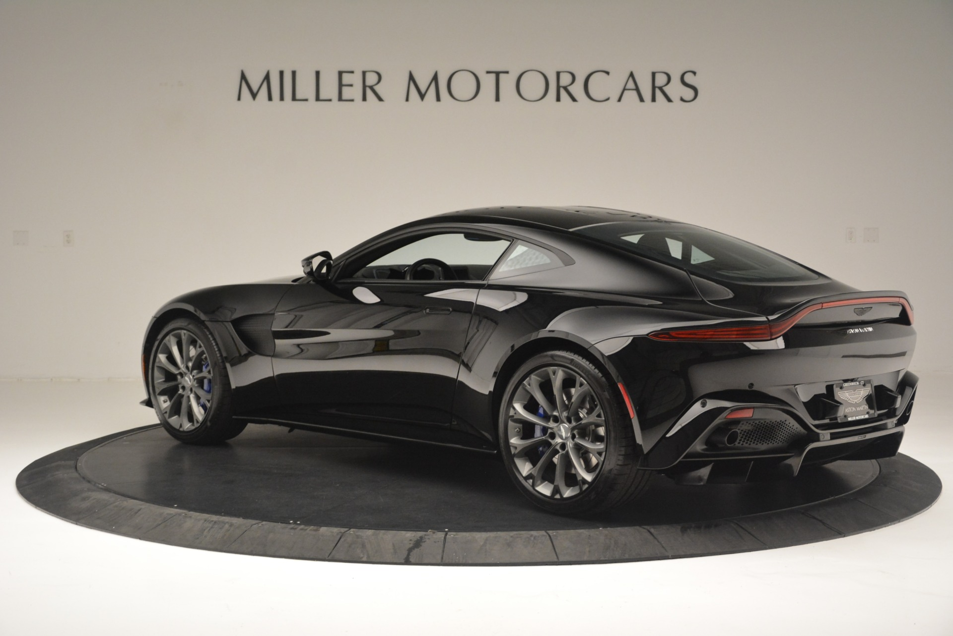 Used 2019 Aston Martin Vantage Coupe For Sale In Greenwich, CT 2445_p4