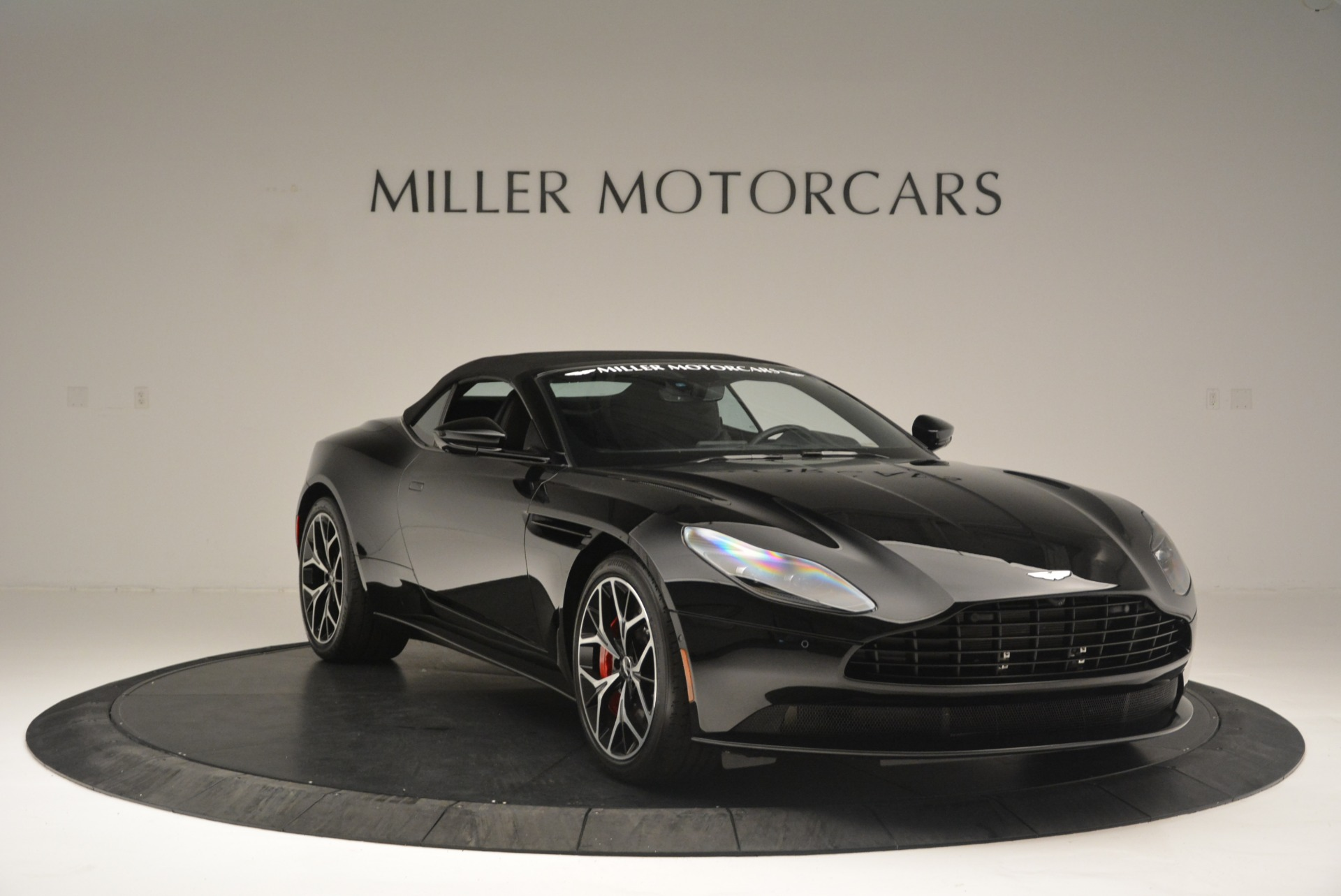 New 2019 Aston Martin DB11 V8 Convertible For Sale In Greenwich, CT 2446_p19