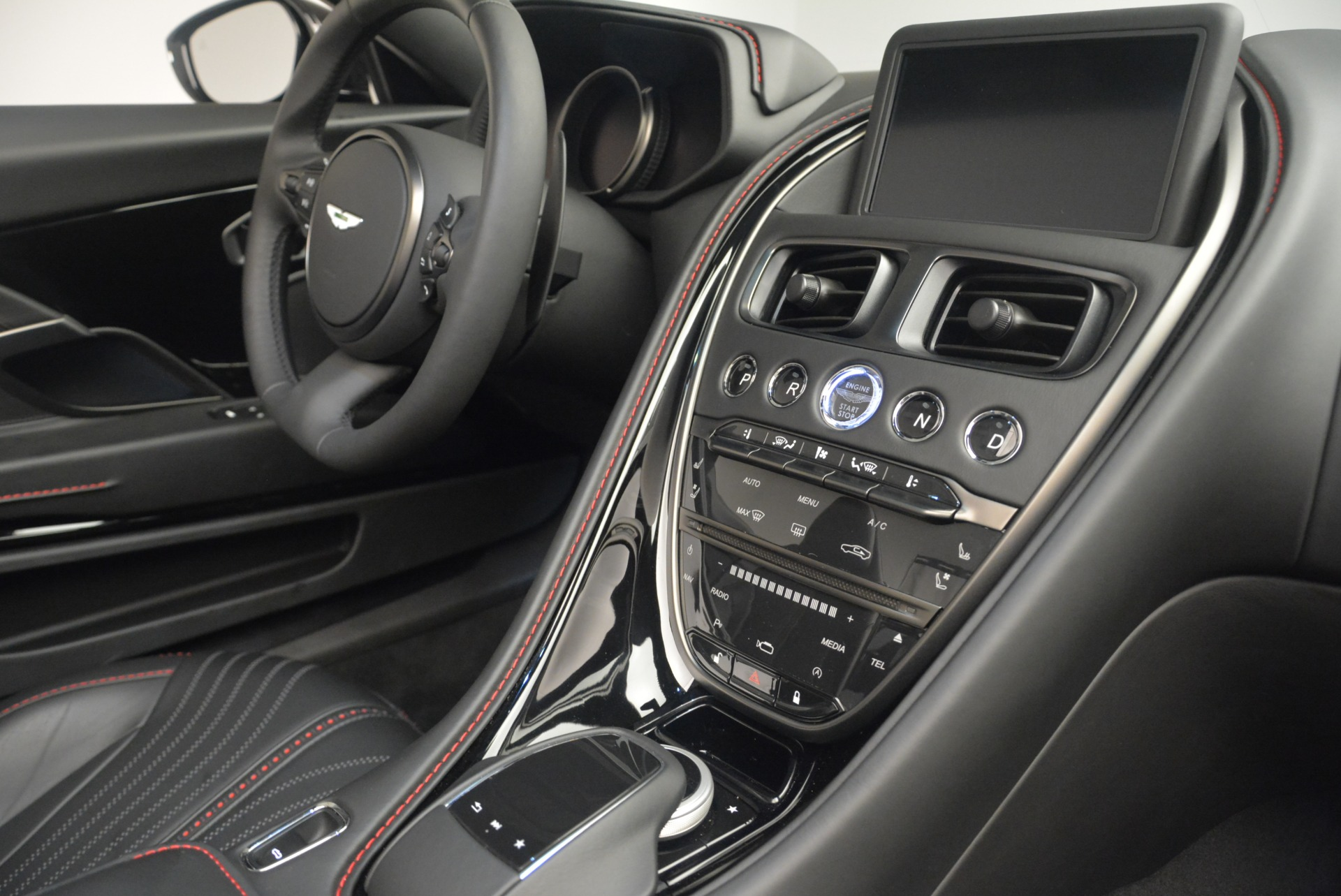 New 2019 Aston Martin DB11 V8 Convertible For Sale In Greenwich, CT 2446_p26